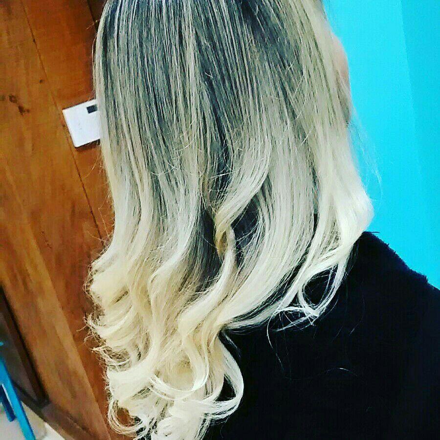 #loiras #platinadas #ombré cabeleireiro(a) maquiador(a) designer de sobrancelhas