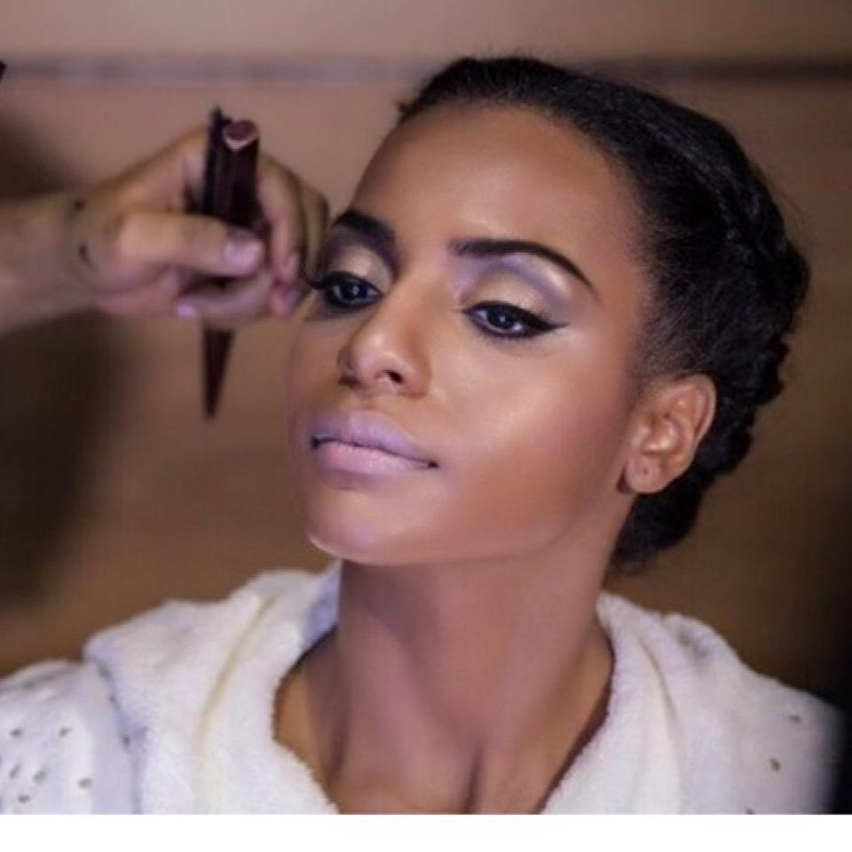 Maquiagem para noiva  pele  negra   maquiagem maquiador(a) cabeleireiro(a)