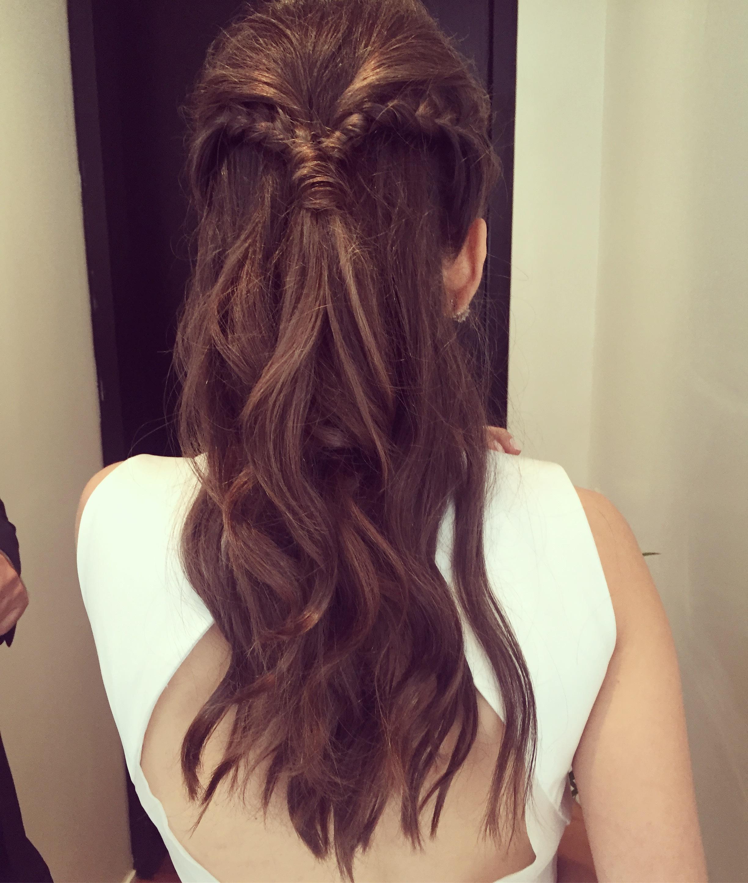 Tranca lateral cabelo maquiador(a) cabeleireiro(a)