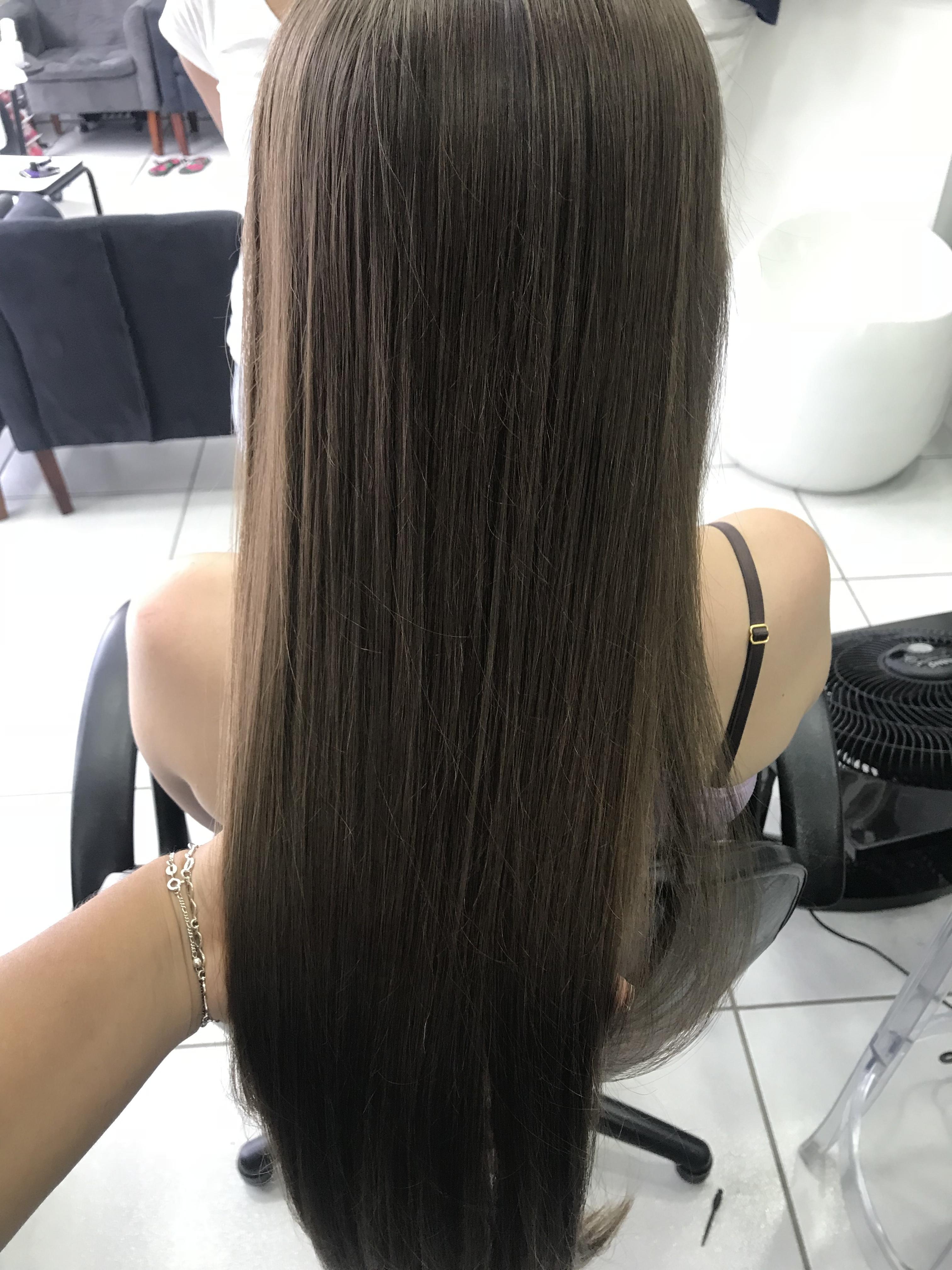 Escova lisa  cabelo cabeleireiro(a) maquiador(a)