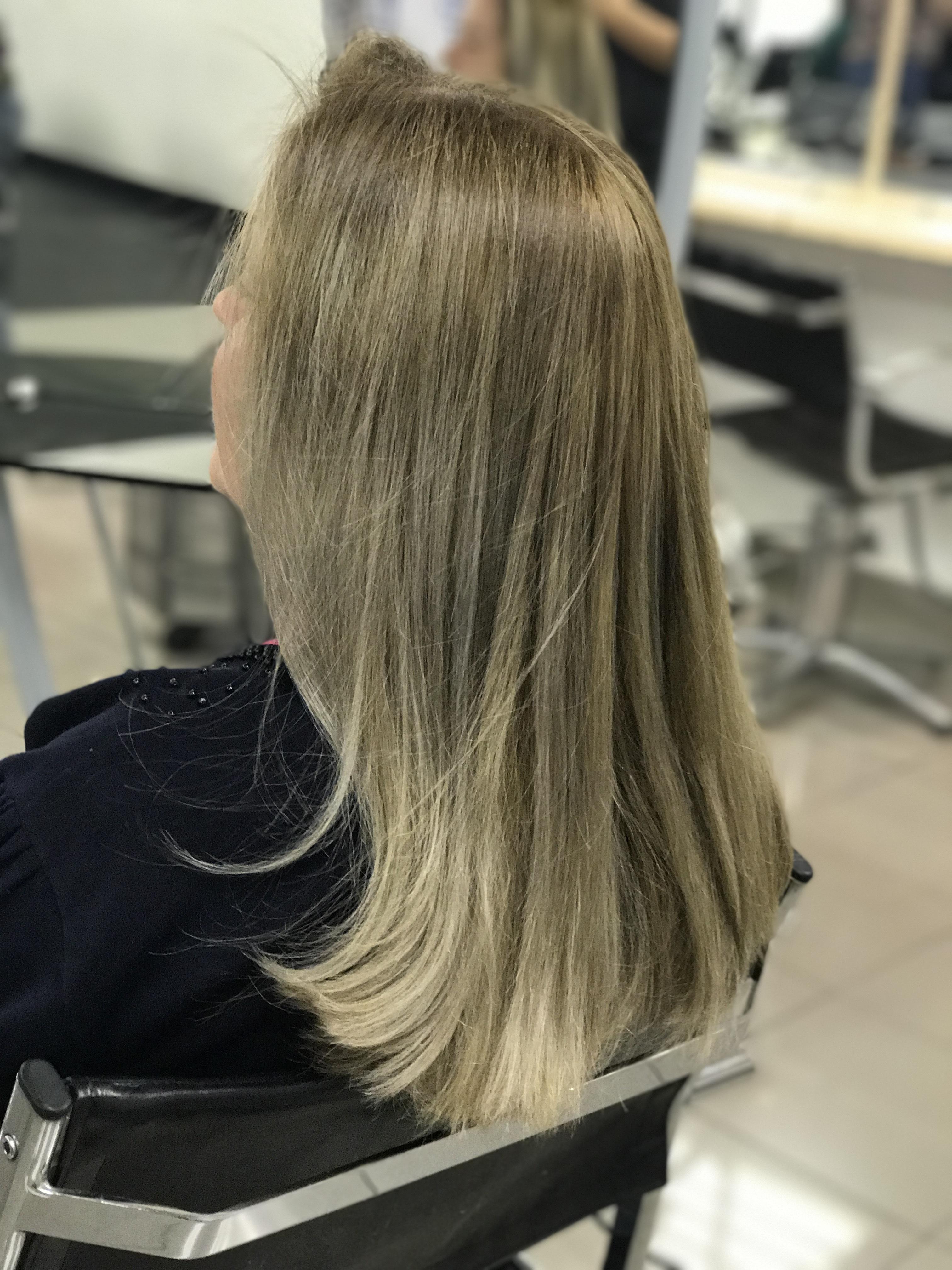 Cobertura de brancos e mechas  cabelo cabeleireiro(a) maquiador(a)