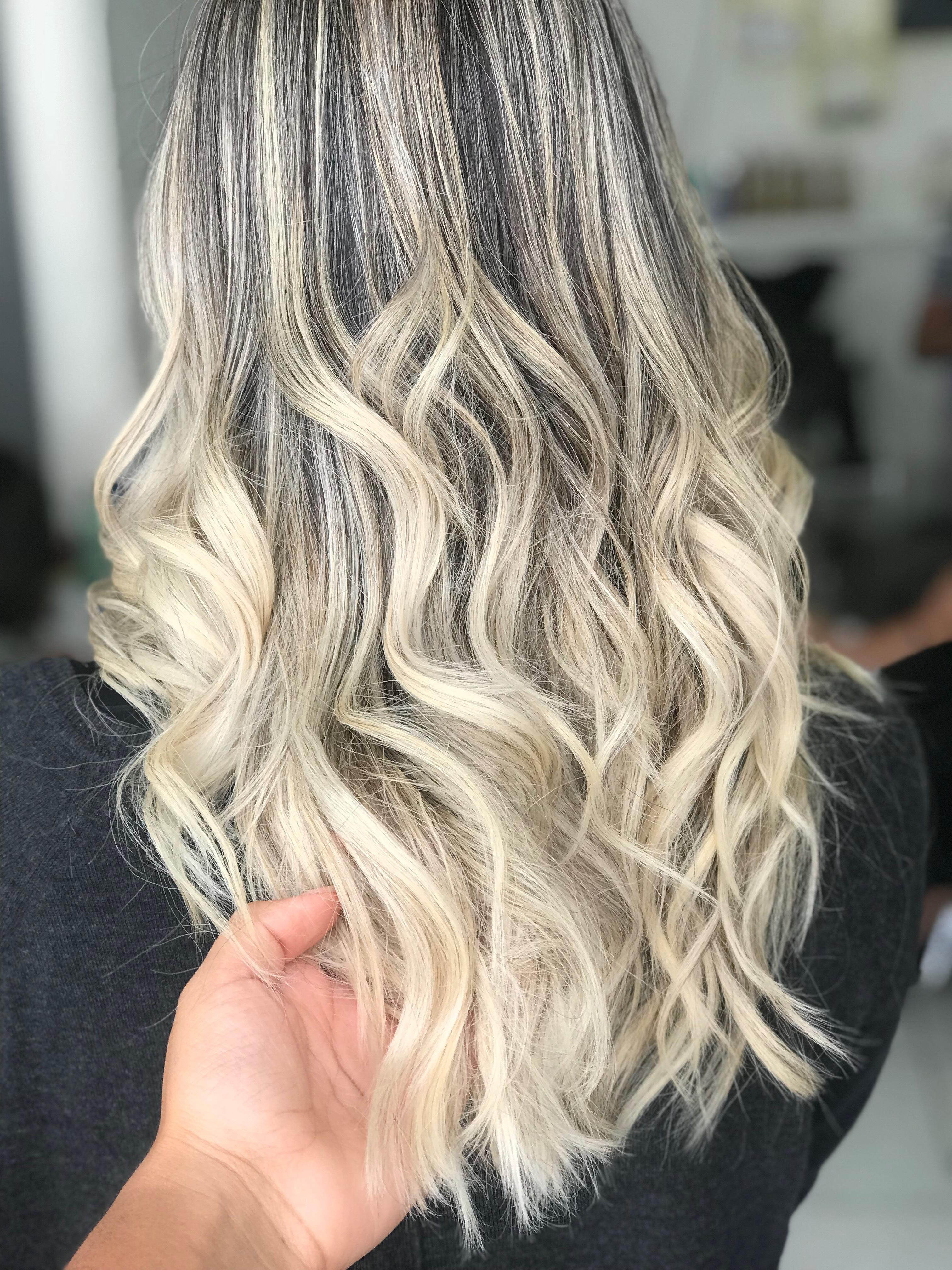 Loiro diamond 💎  cabelo cabeleireiro(a) maquiador(a)