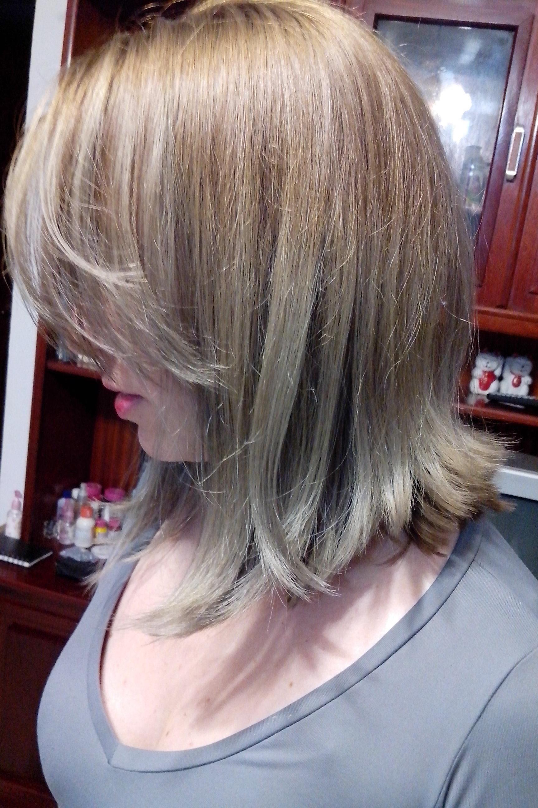 Corte e escova cabeleireiro(a) auxiliar cabeleireiro(a) maquiador(a) manicure e pedicure designer de sobrancelhas