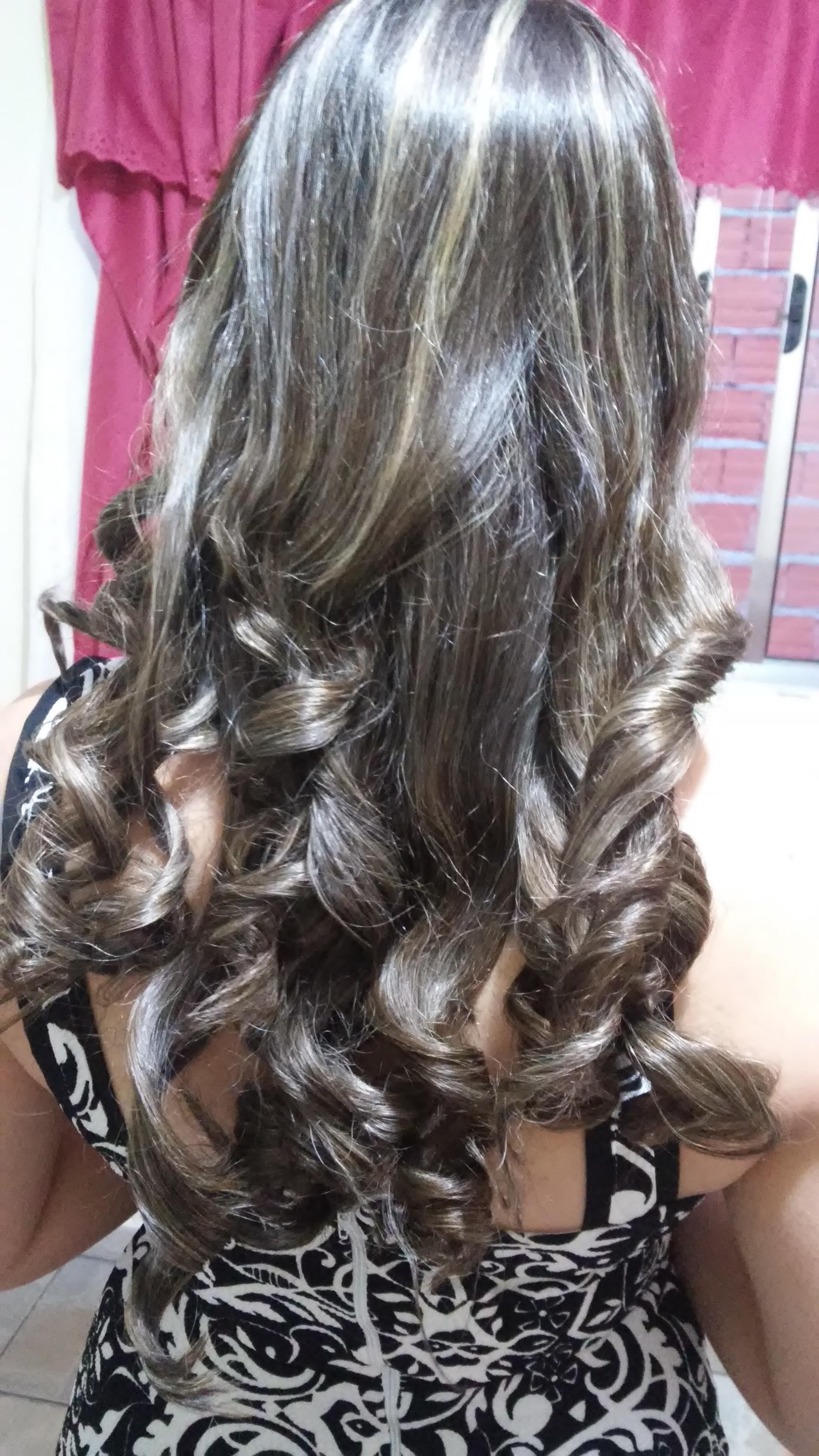 prancha . cabelo auxiliar cabeleireiro(a) recepcionista