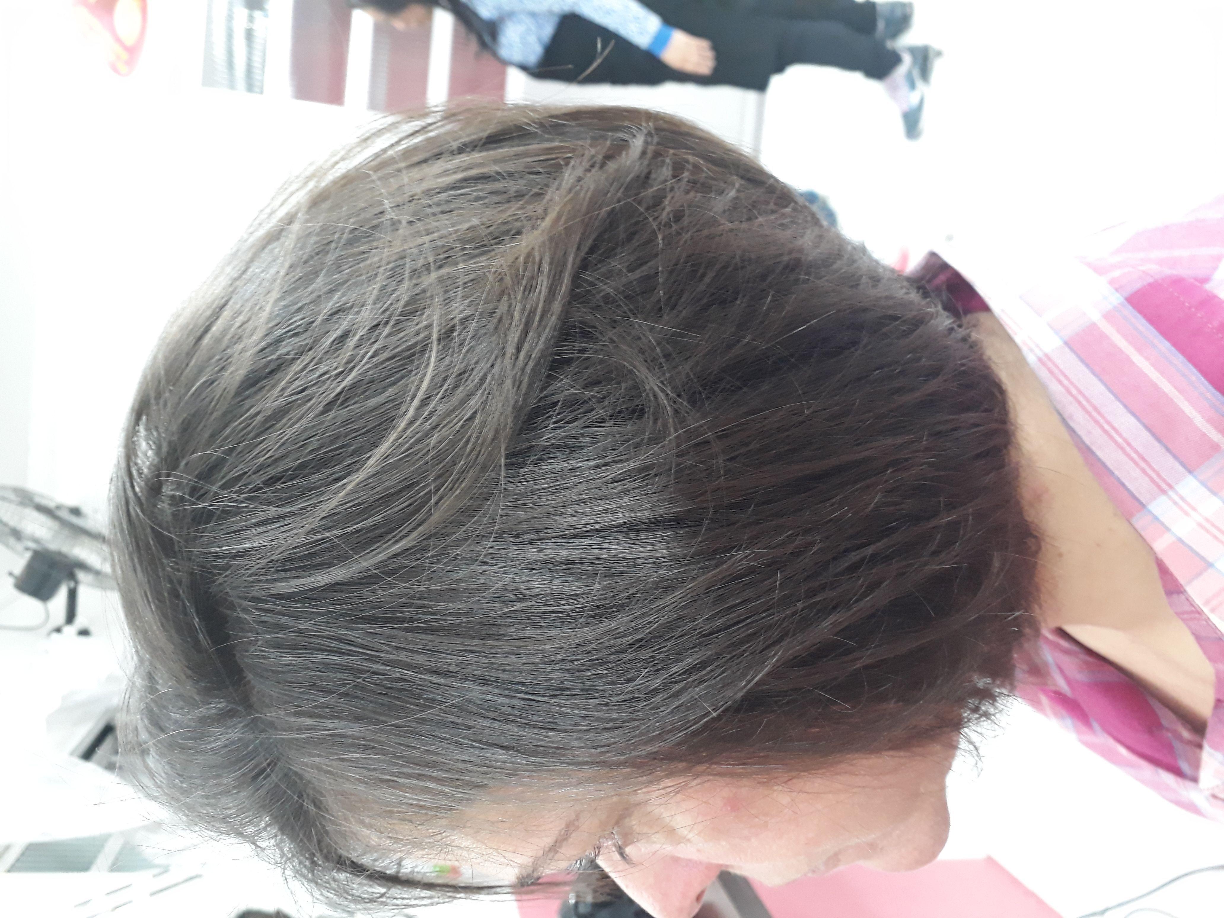 Corte nuca batida cabelo designer de sobrancelhas