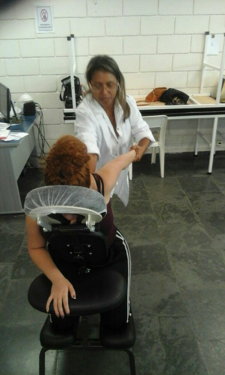 massoterapeuta designer de sobrancelhas cabeleireiro(a) depilador(a) esteticista outros
