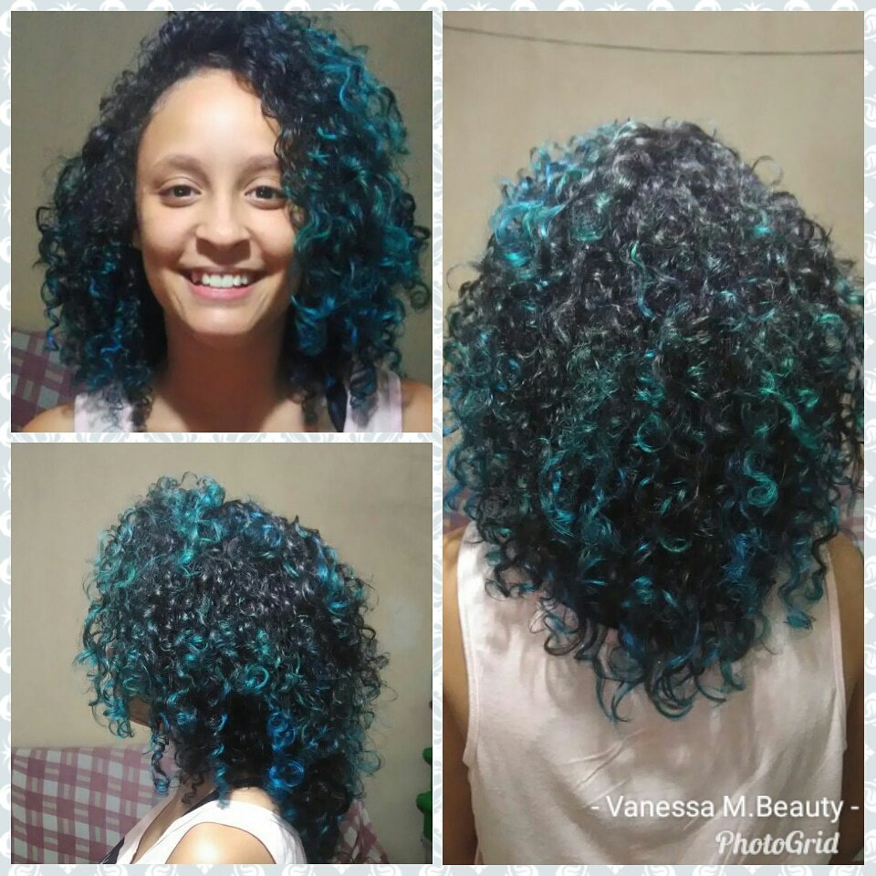 Corte e ombre hair azul em cabelos cacheados cabelo auxiliar cabeleireiro(a) designer de sobrancelhas