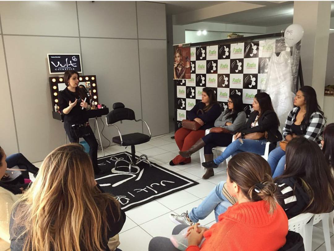 Curso profissional - Rafa Cosméticos - Pilar do Sul/SP maquiagem maquiador(a) consultor(a) designer de sobrancelhas