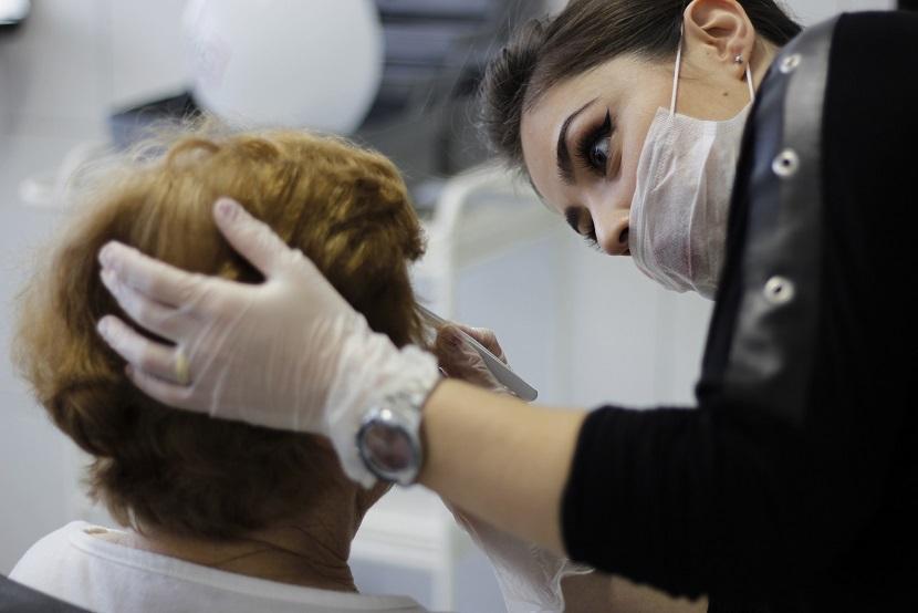 Design de sobrancelhas estética maquiador(a) consultor(a) designer de sobrancelhas