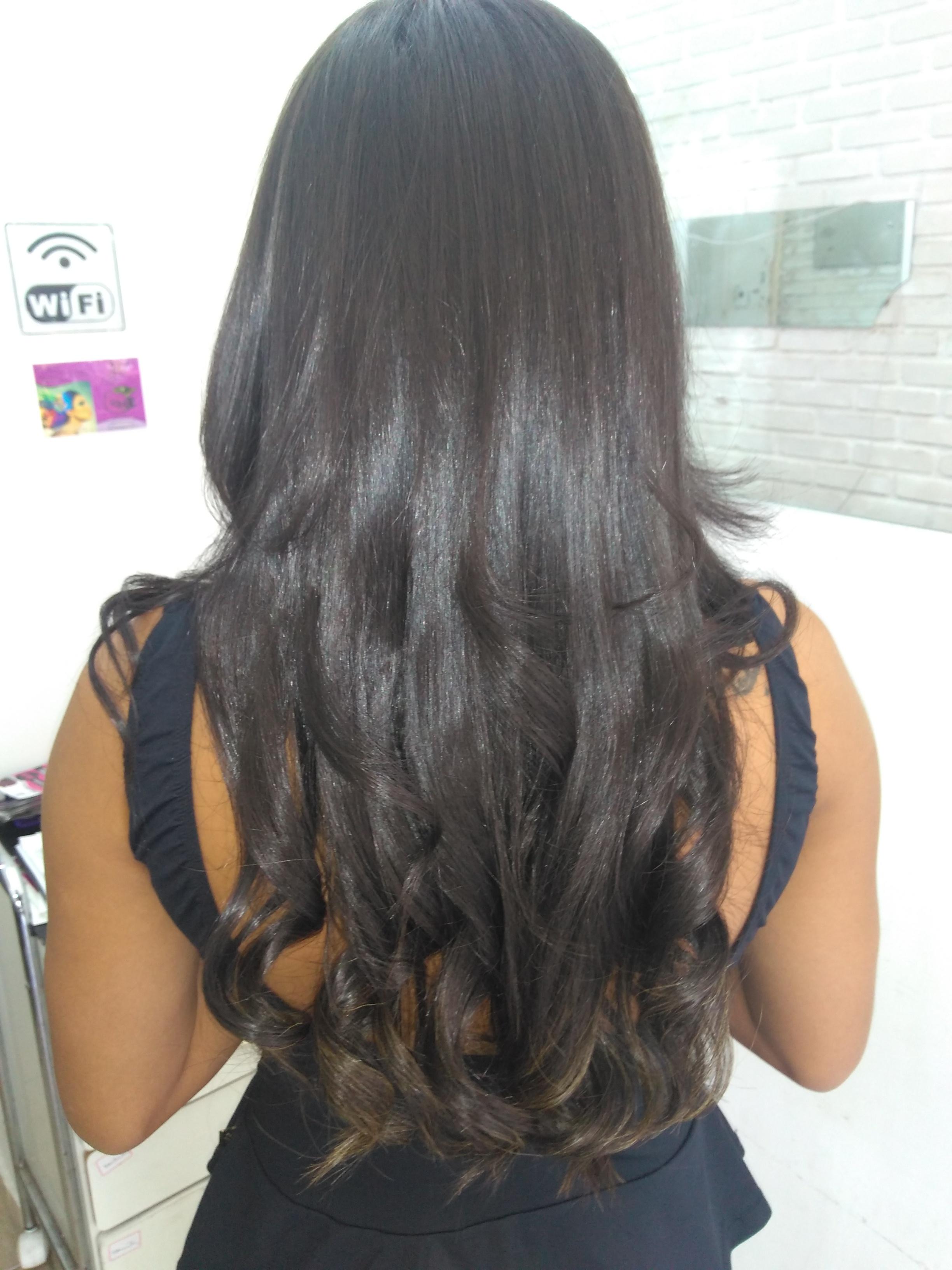 Escova com cachos cabelo auxiliar cabeleireiro(a) manicure e pedicure