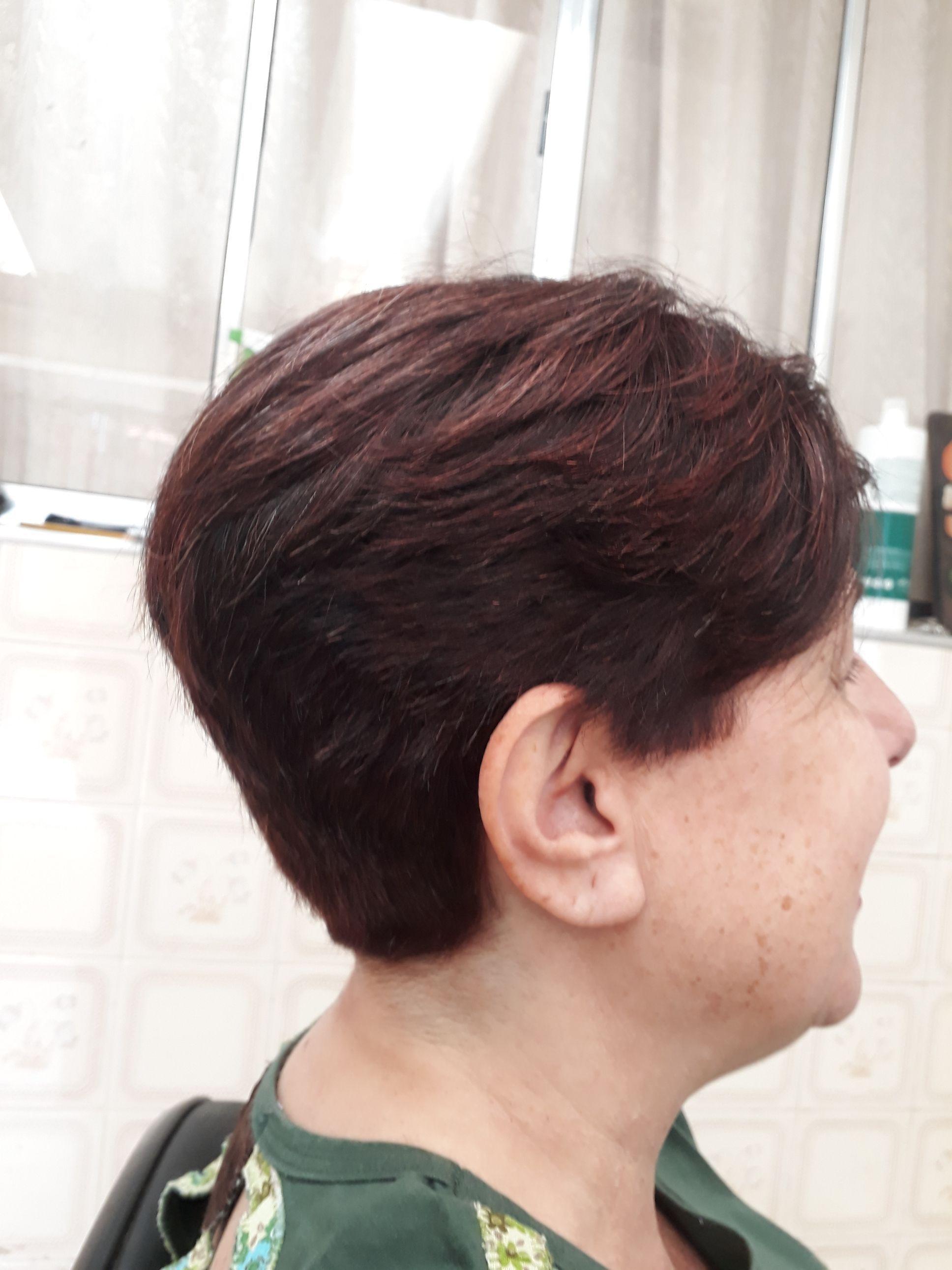 Crte cabelo designer de sobrancelhas