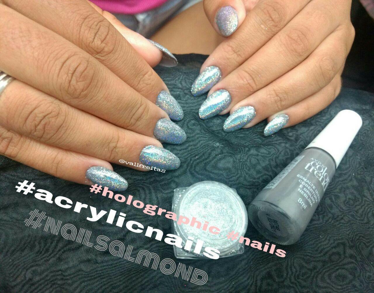 Unhas em acrílico  Formato Almond unha manicure e pedicure designer de sobrancelhas