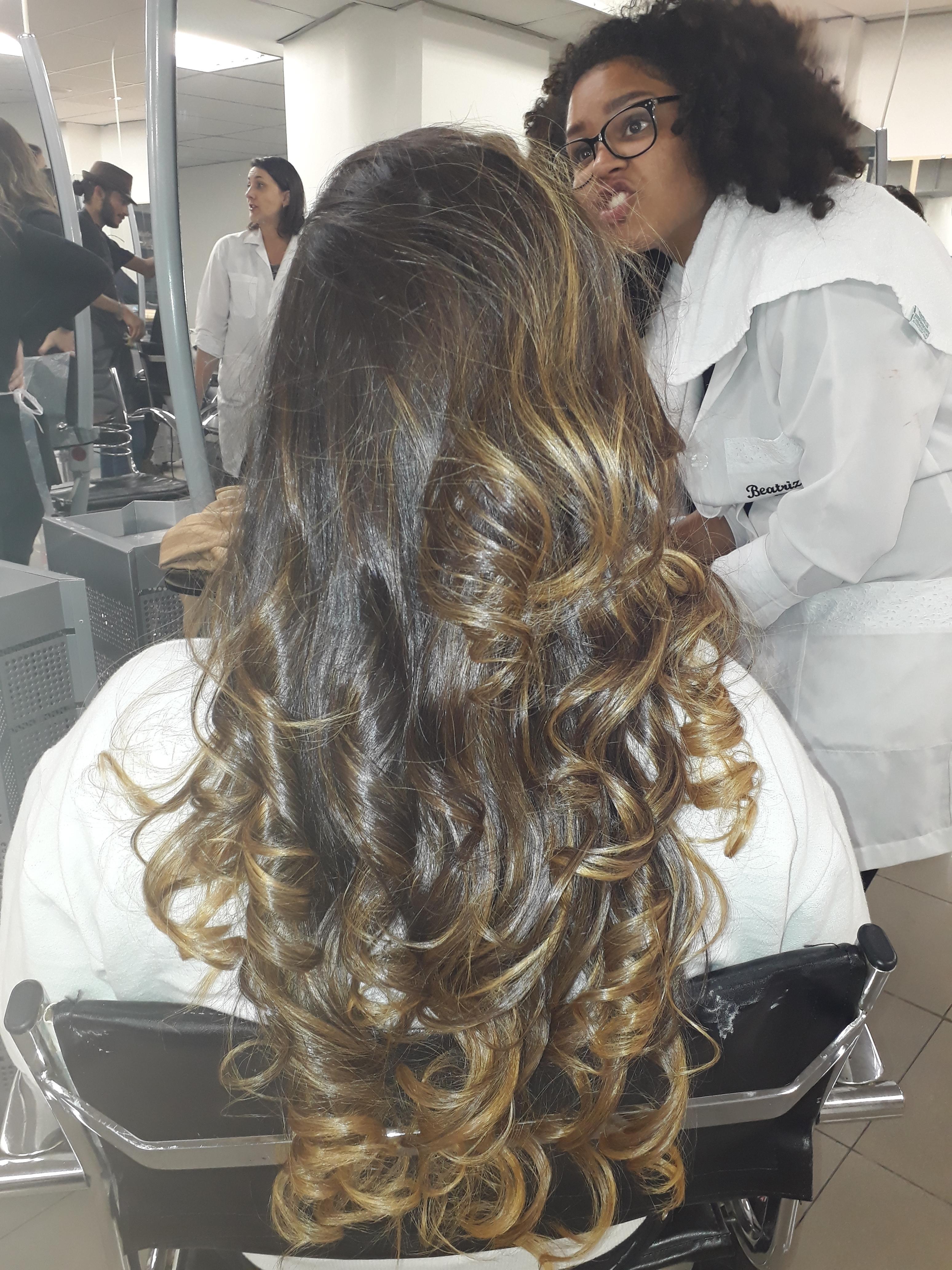 Depois morena iluminada; cabelo cabeleireiro(a) auxiliar cabeleireiro(a) recepcionista