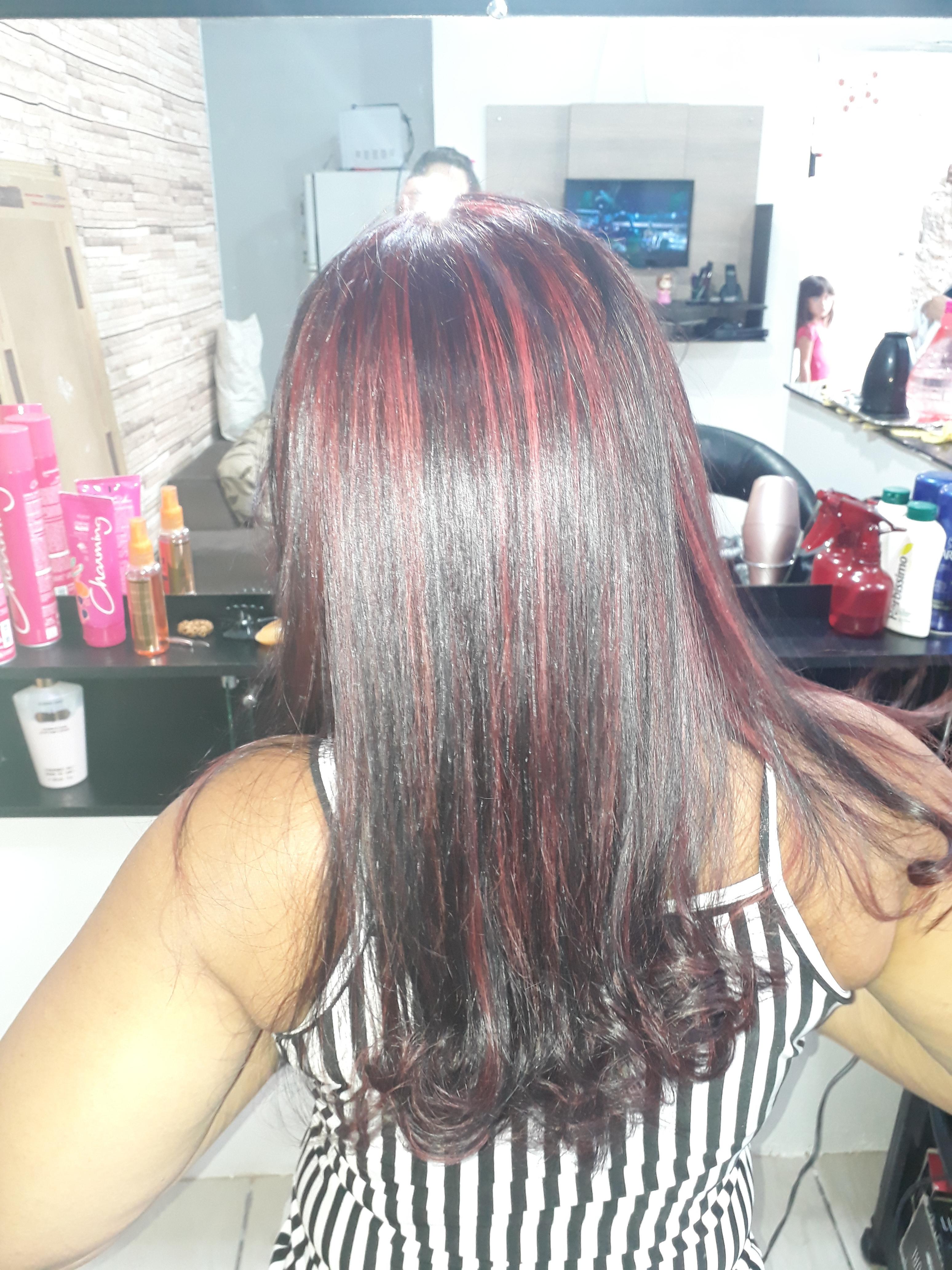 Depois coloração , luzes vermelha e corte. cabelo cabeleireiro(a) auxiliar cabeleireiro(a) recepcionista
