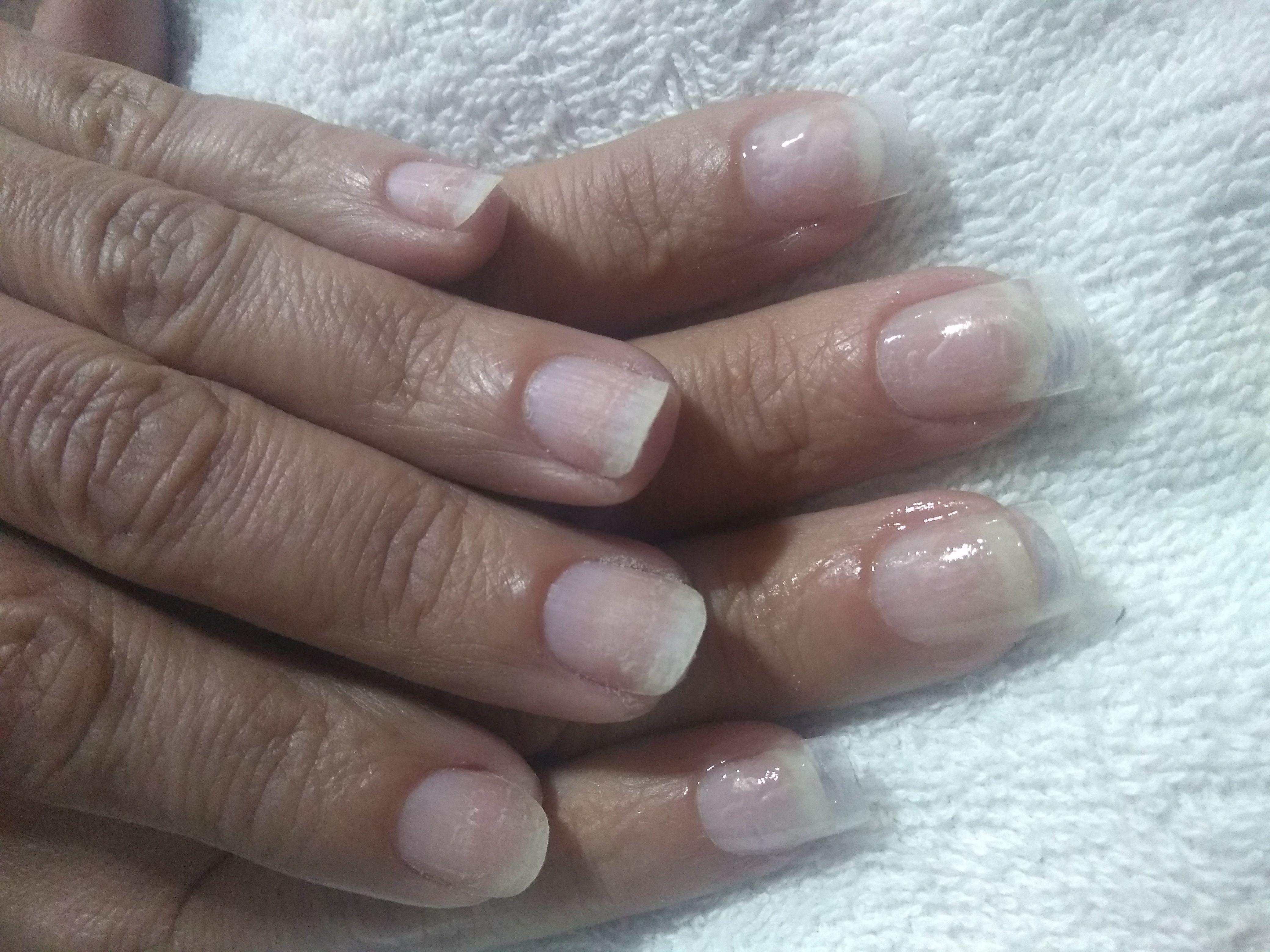 Unhas postiças cristal durabilidade 10 dias. manicure e pedicure depilador(a) designer de sobrancelhas