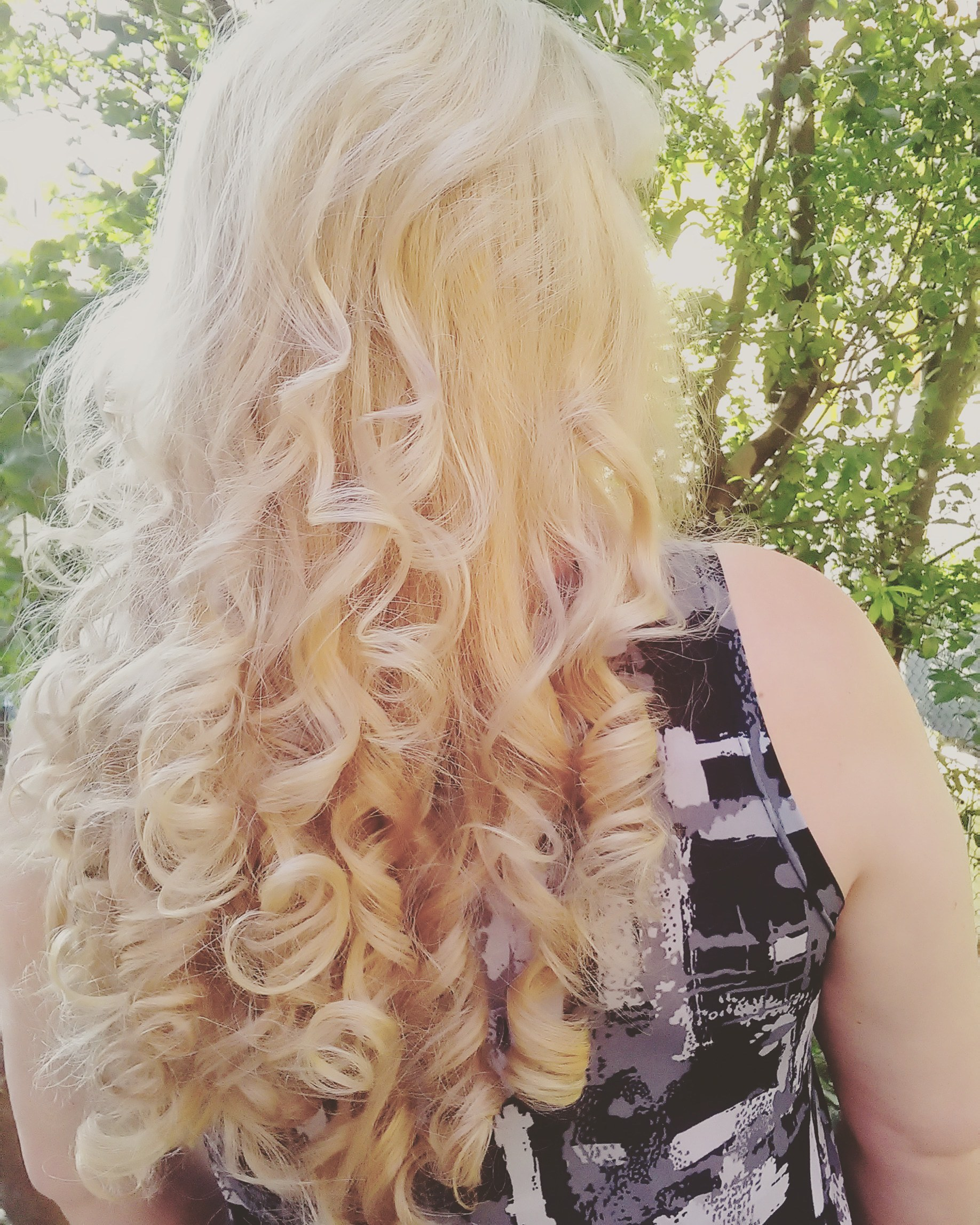 Super loiro matizado no tom de milkshake dourado! cabelo cabeleireiro(a)