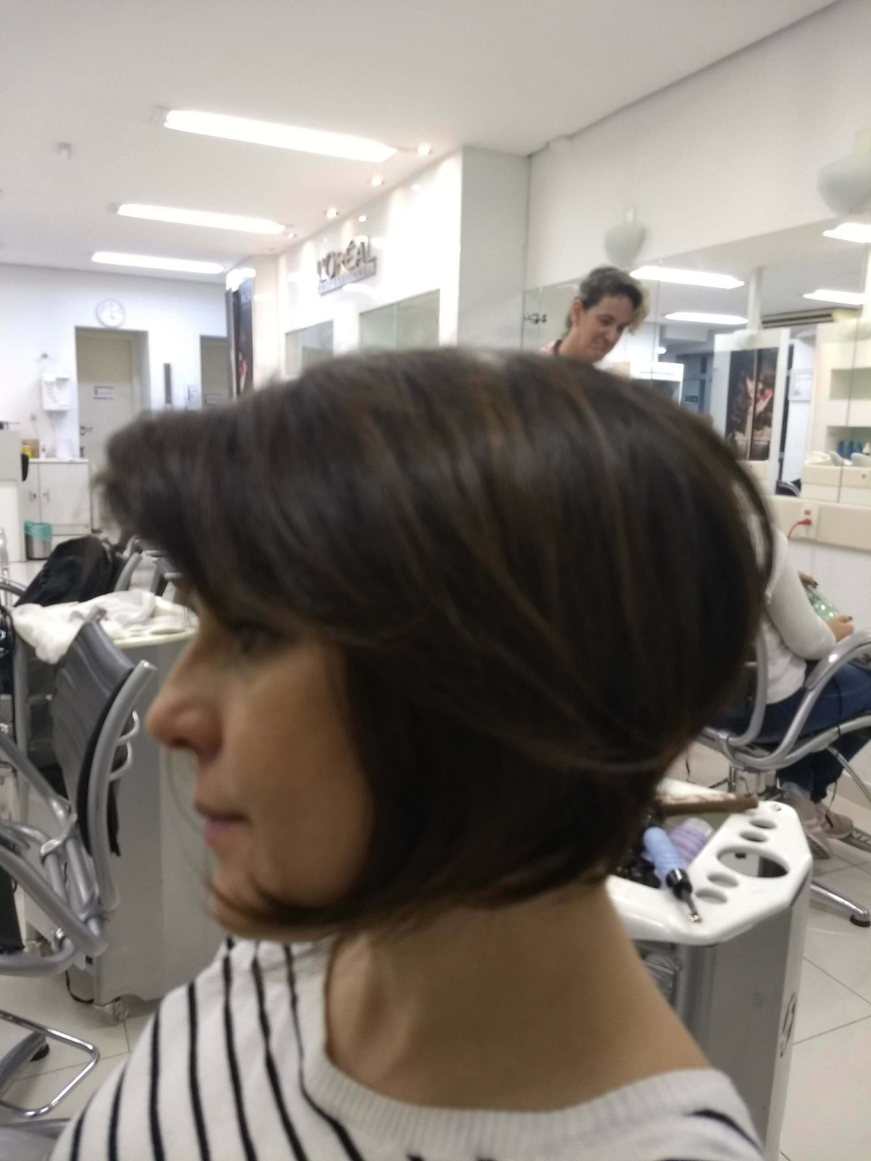 Escova Chanel cabelo auxiliar cabeleireiro(a) escovista