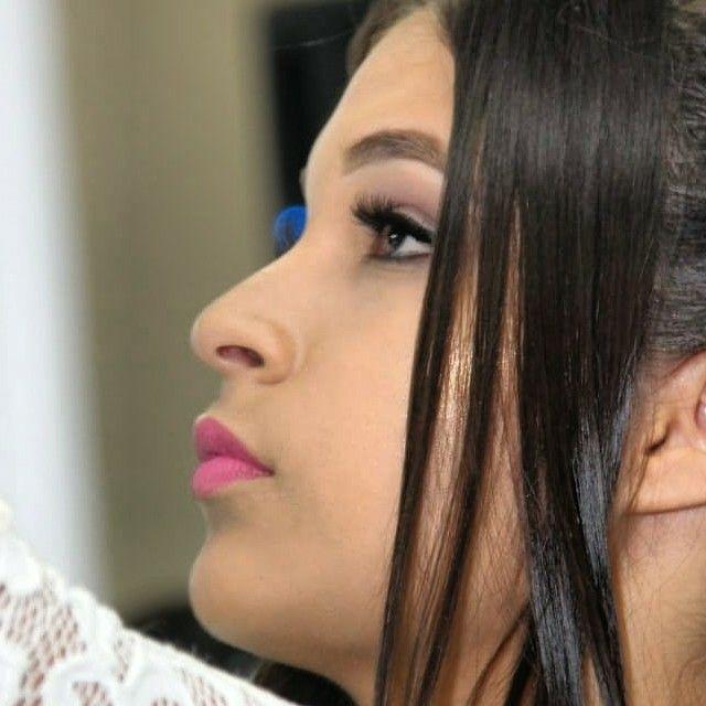 maquiagem auxiliar cabeleireiro(a) maquiador(a) designer de sobrancelhas