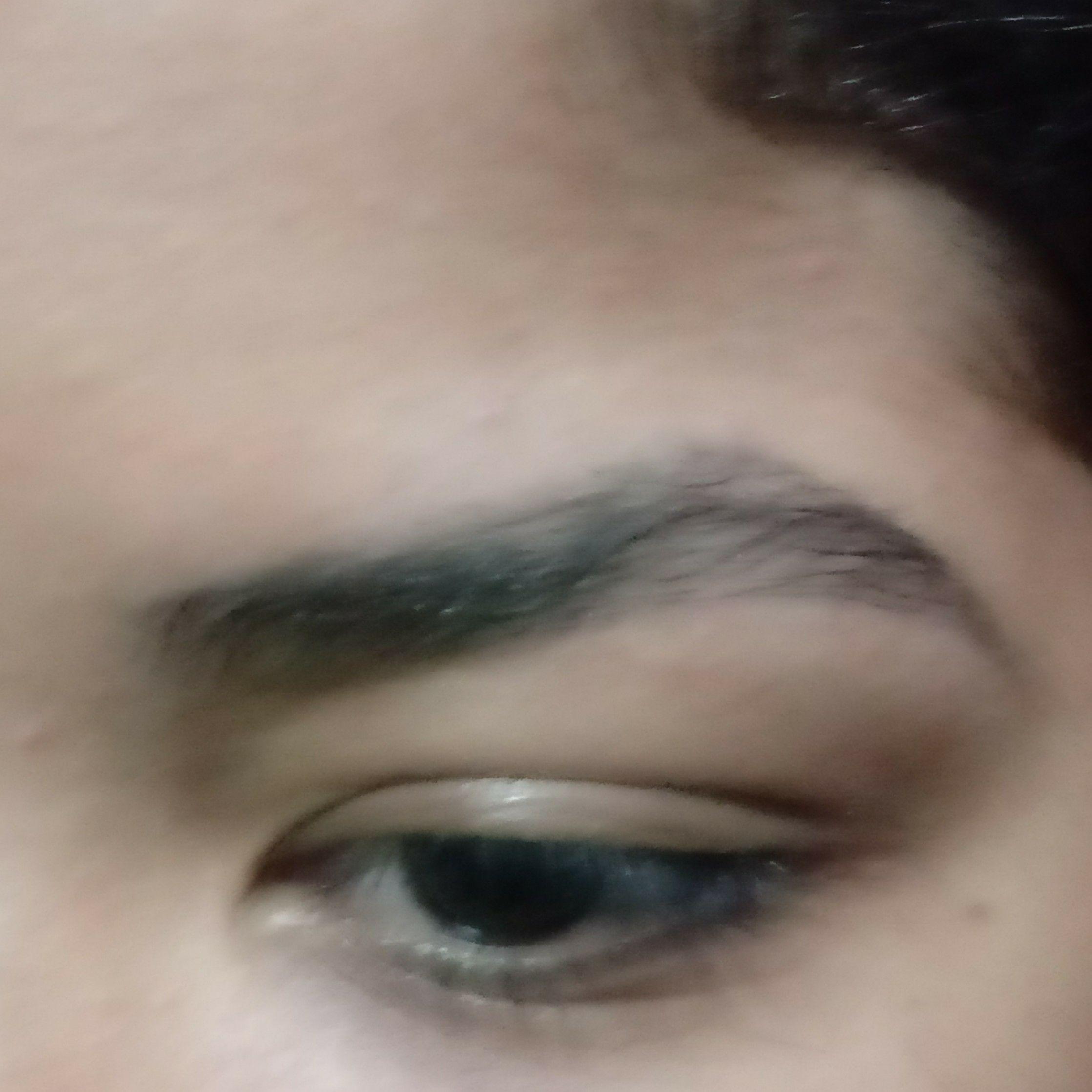 auxiliar cabeleireiro(a) maquiador(a) designer de sobrancelhas