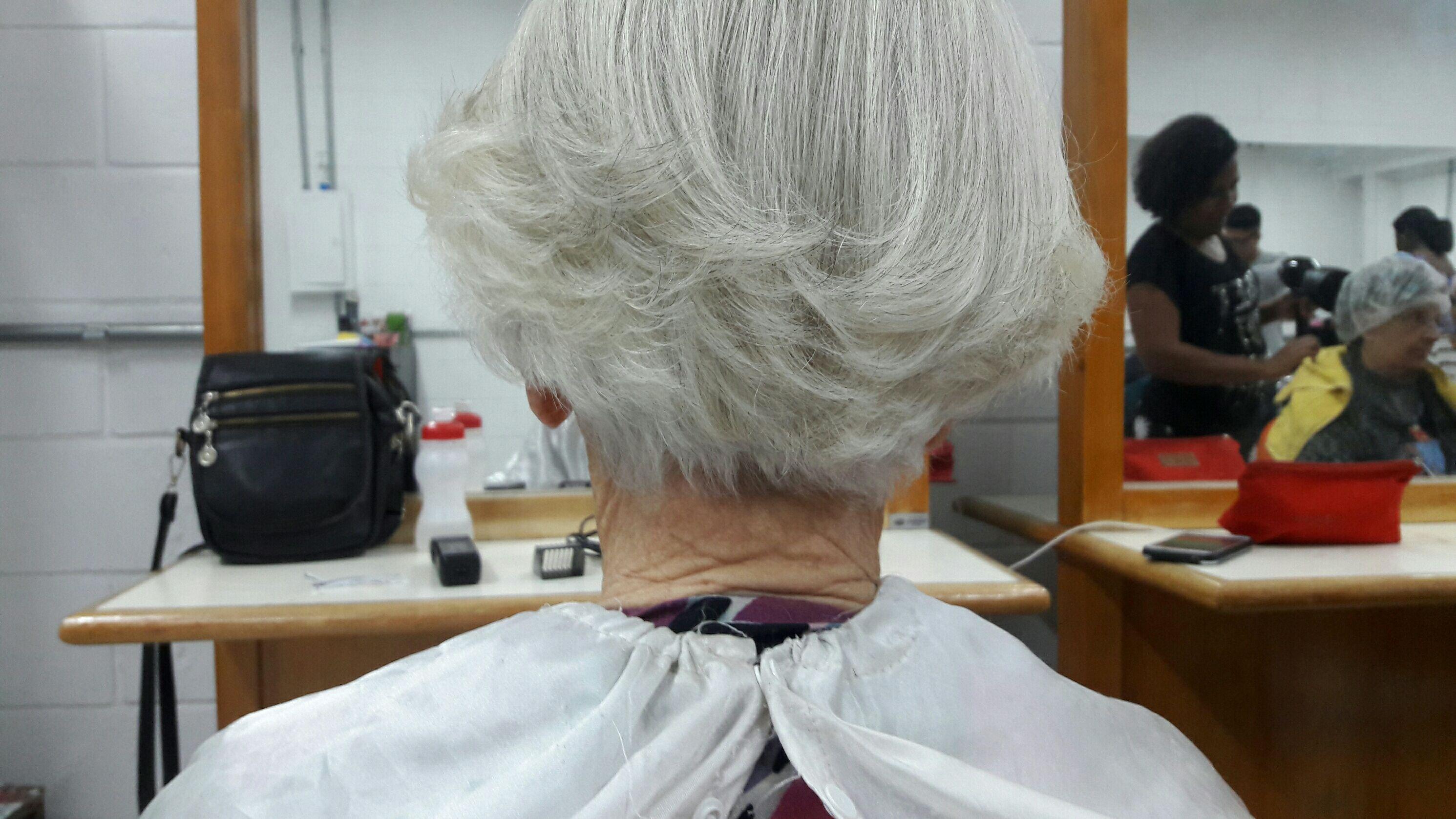 cabeleireiro(a) auxiliar cabeleireiro(a) manicure e pedicure