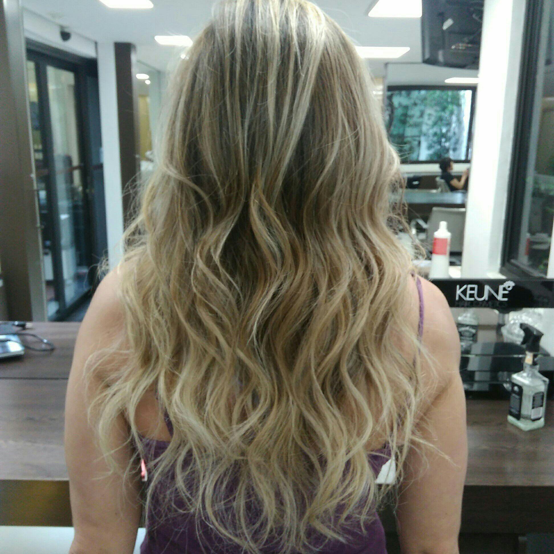 Reflexo e Escova cabelo auxiliar cabeleireiro(a)