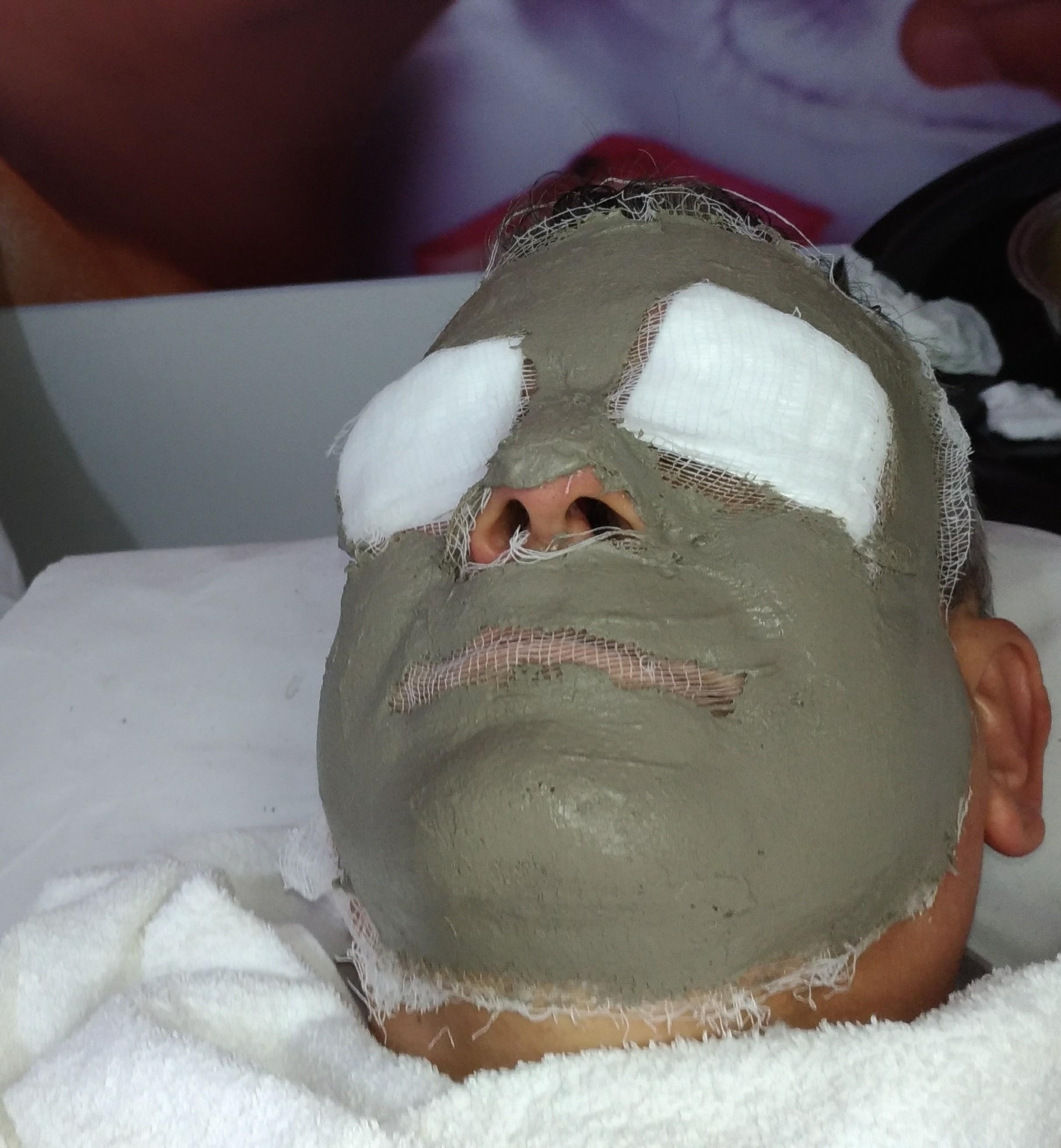 Limpeza de Pele com Máscara Detox! estética esteticista massoterapeuta designer de sobrancelhas