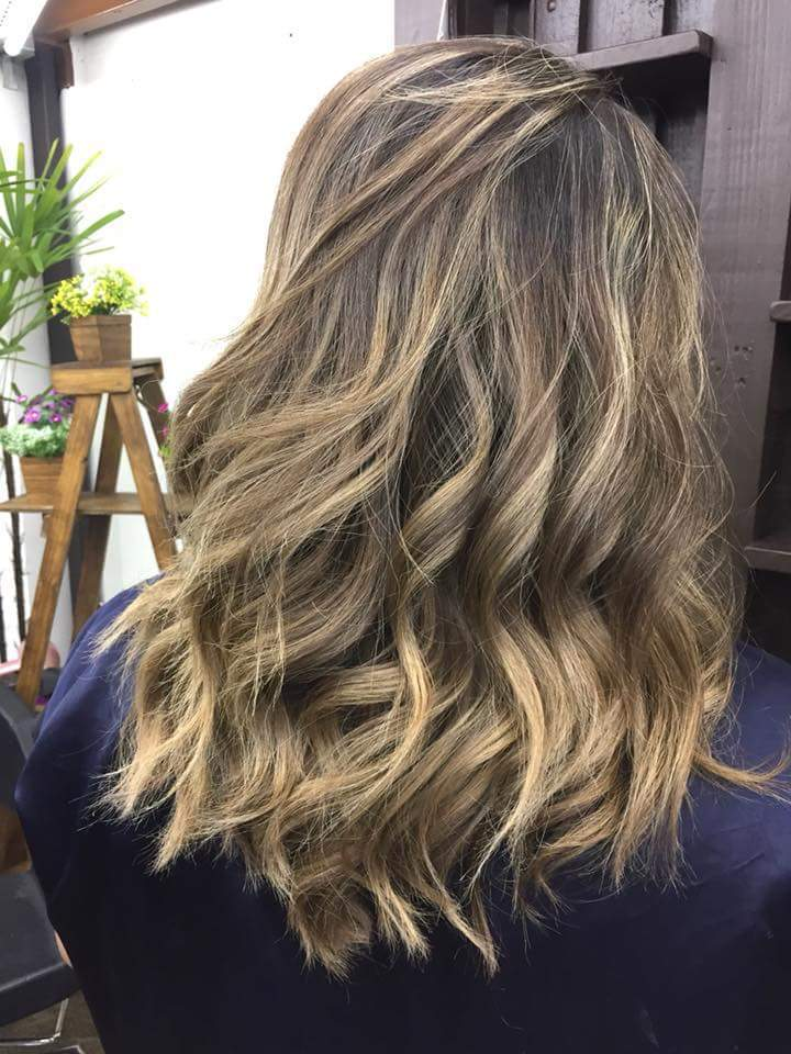 Morena Iluminada.. cabelo auxiliar cabeleireiro(a) cabeleireiro(a) auxiliar cabeleireiro(a)