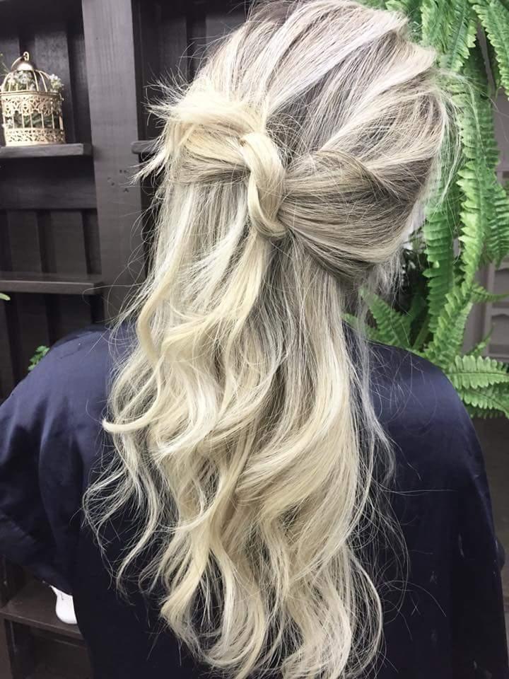 Feito no papel cabelo auxiliar cabeleireiro(a) cabeleireiro(a) auxiliar cabeleireiro(a)