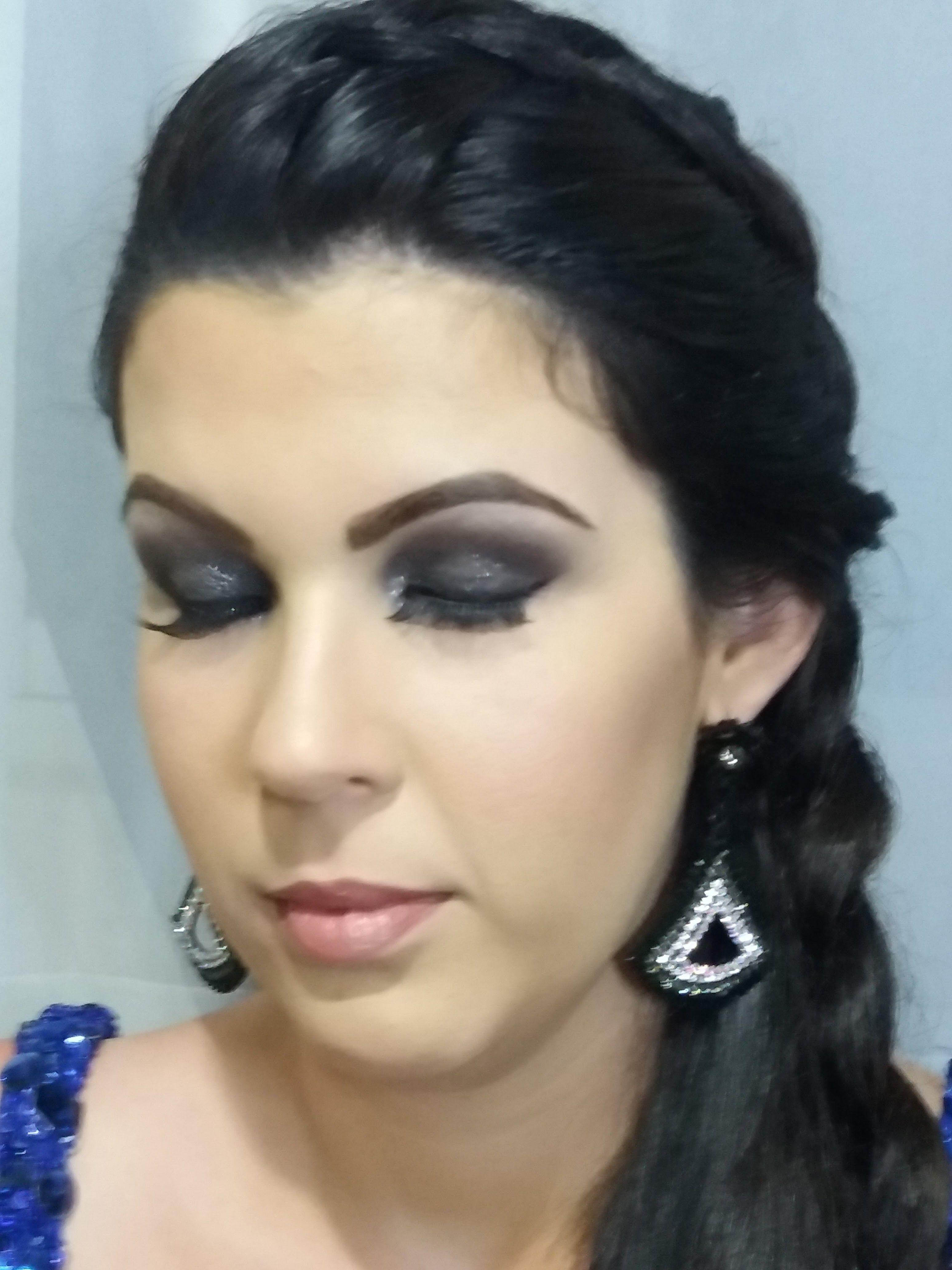 maquiagem designer de sobrancelhas consultor(a) de estetica consultor(a) em imagem depilador(a) maquiador(a) visagista
