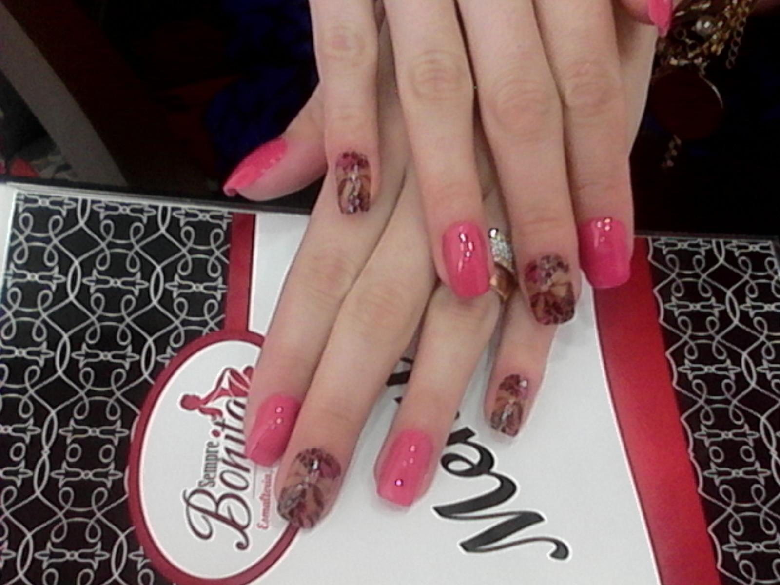 unha manicure e pedicure gerente recepcionista