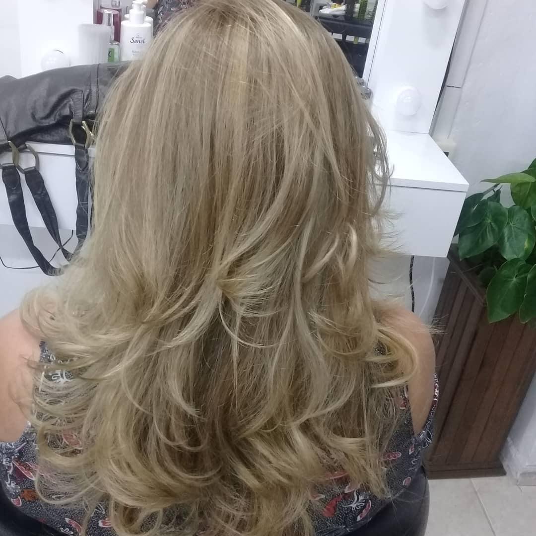 Luzes e Corte cabelo micropigmentador(a) cabeleireiro(a) maquiador(a)