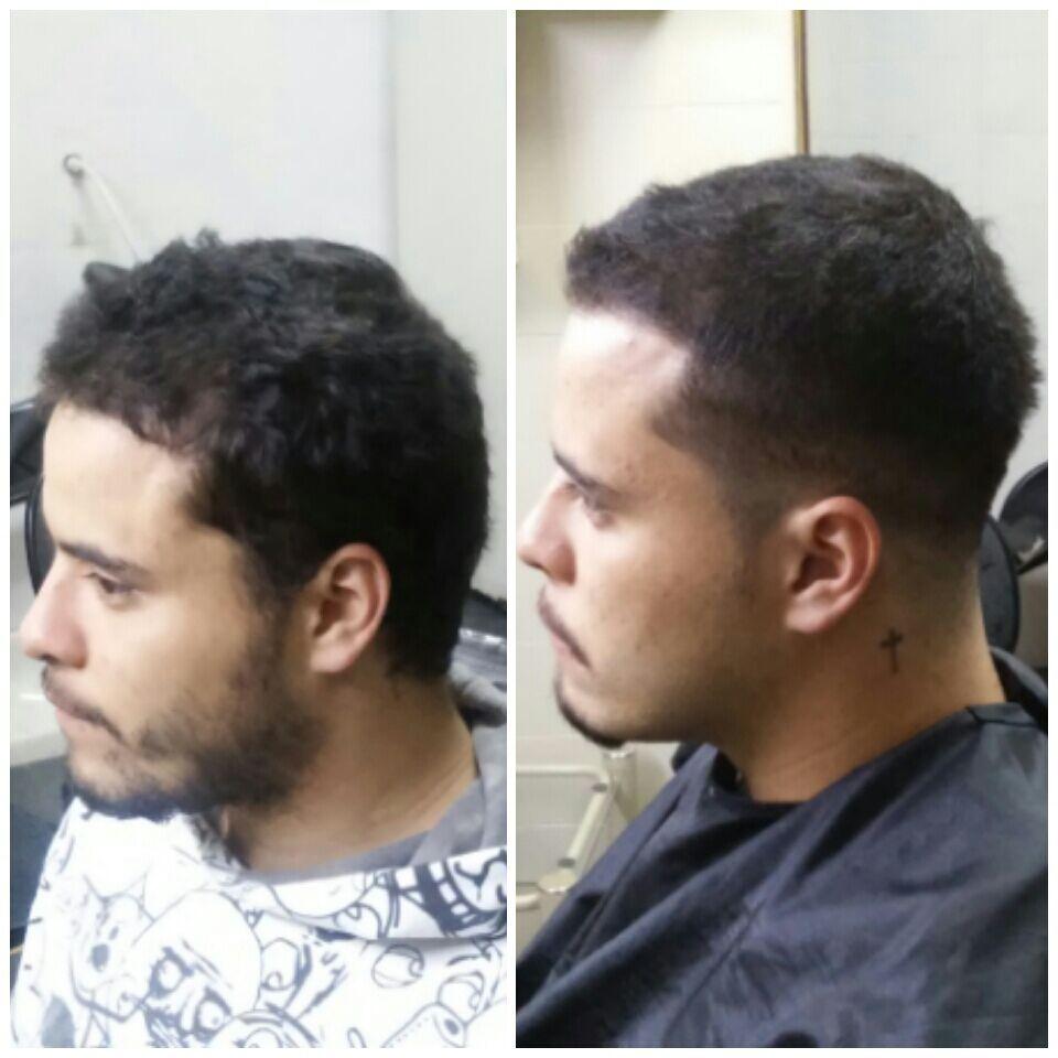 Cabelo cortado em degrade Barba desenhada cabelo barbeiro(a)
