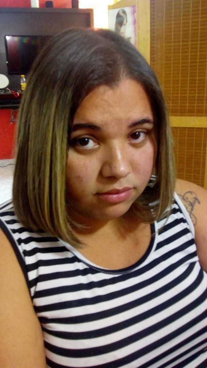 Corte e escova  cabelo cabeleireiro(a)