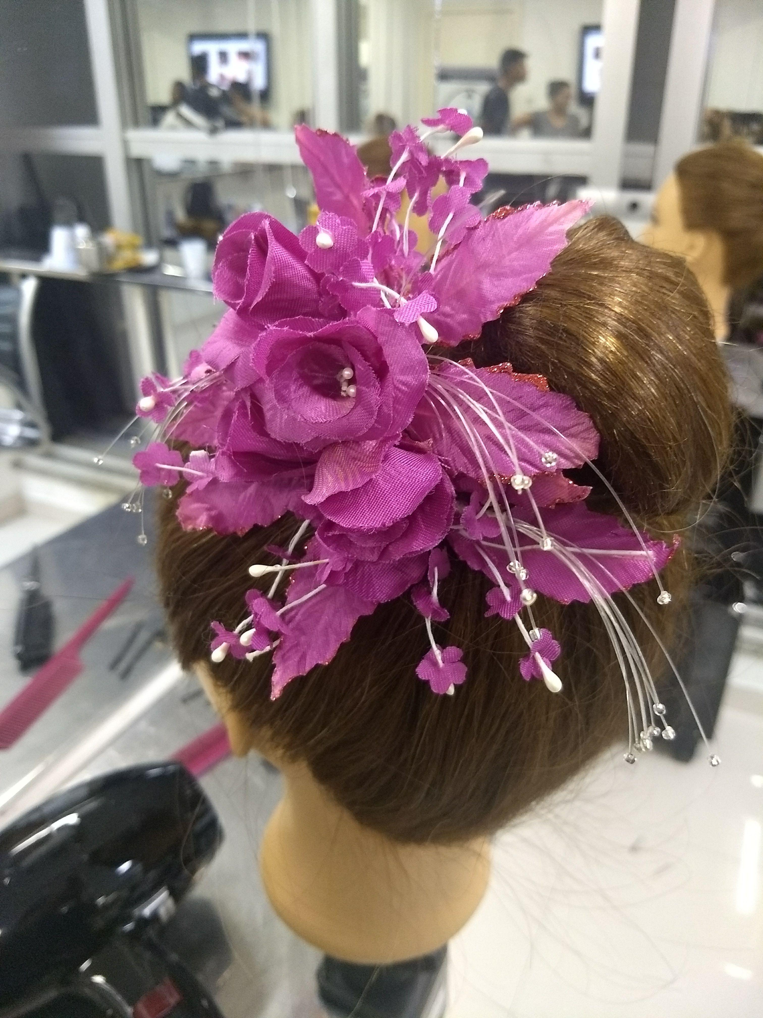 Penteados cabelo auxiliar cabeleireiro(a) escovista