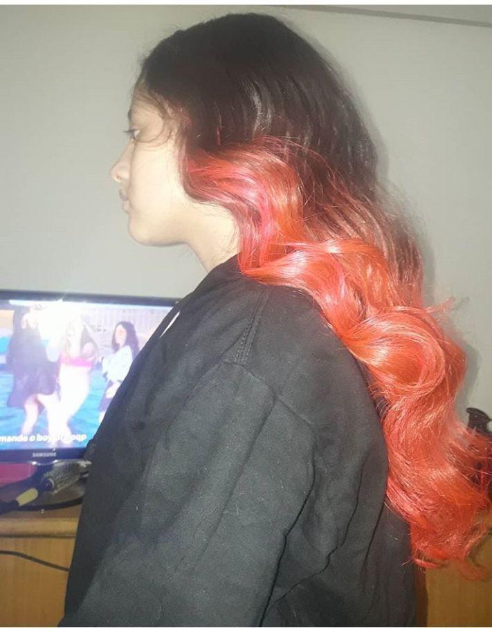 Cabelinho rosa com leves ondas de sereia. cabeleireiro(a) cabeleireiro(a)