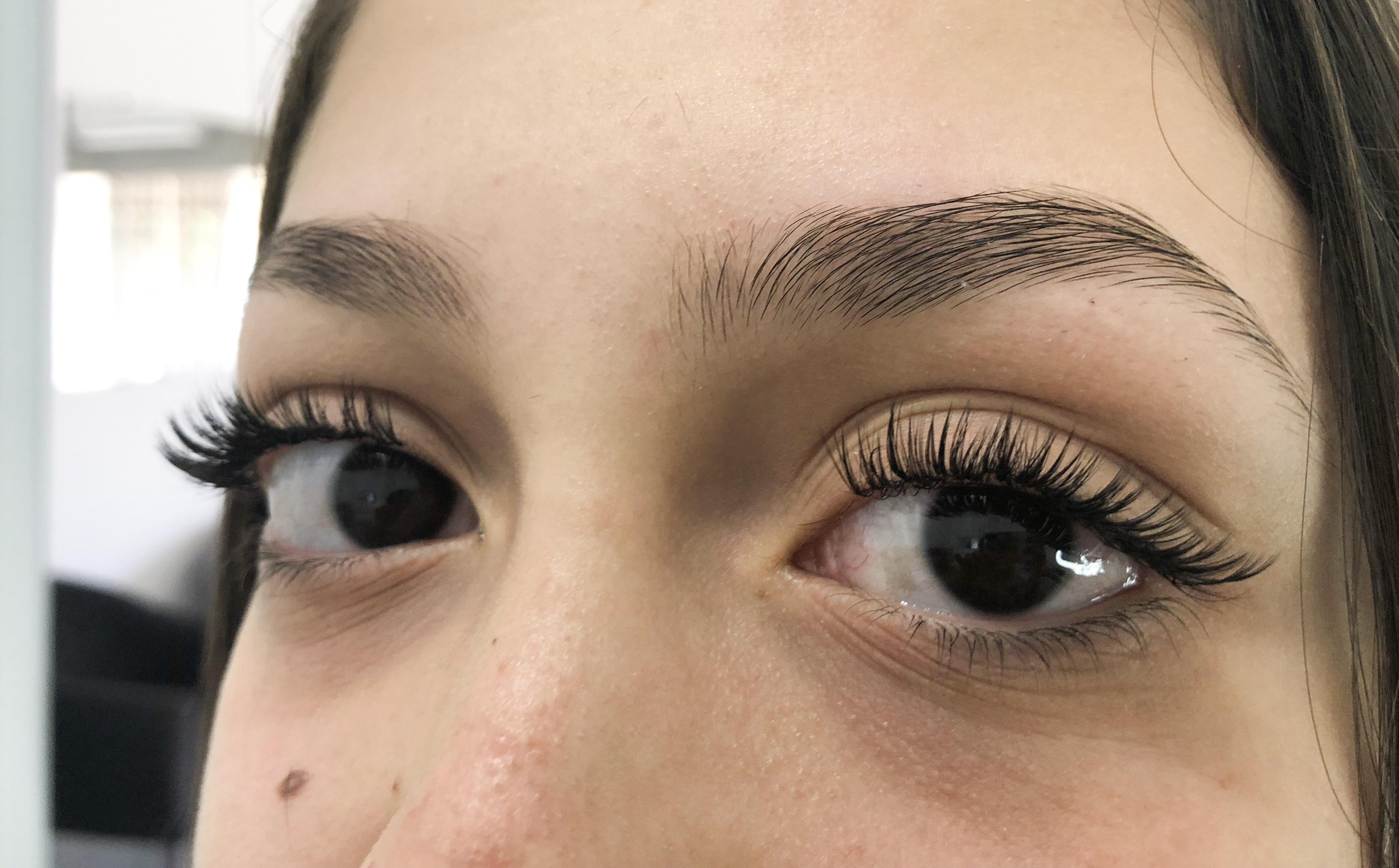 Sobrancelhas e Alongamento de cílios  outros designer de sobrancelhas