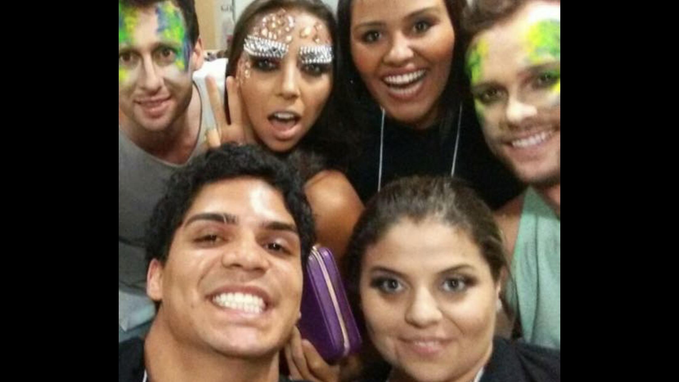 The make-up experience   Equipe! maquiagem maquiador(a) designer de sobrancelhas outros micropigmentador(a)