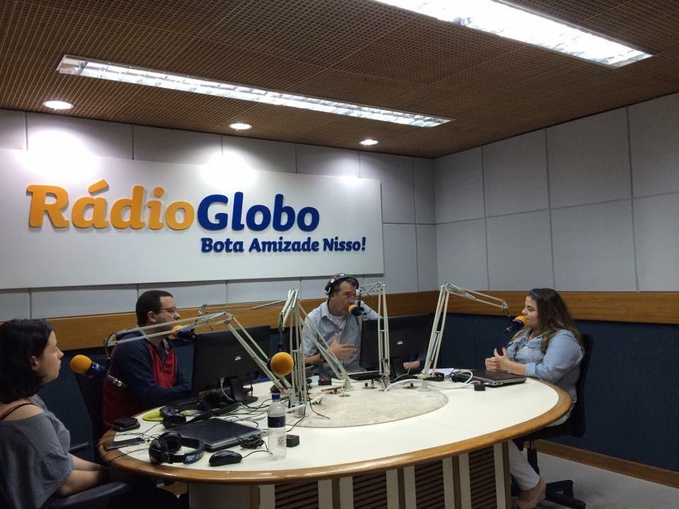 Entrevista na Rádio Globo  Tendências de maquiagem para festividades de fim de ano. maquiagem maquiador(a) designer de sobrancelhas outros micropigmentador(a)