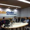 Entrevista na Rádio Globo  Tendências de maquiagem para festividades de fim de ano.