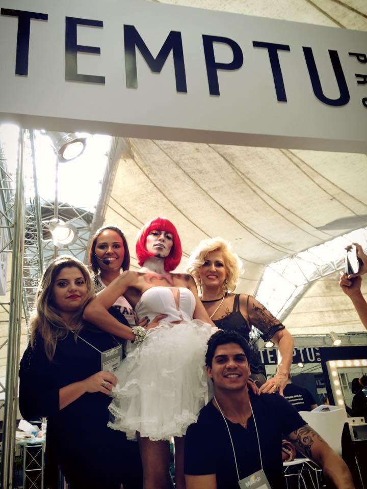 Editorial para Temptu PRO feira  Beauty Fair   Equipe  maquiagem maquiador(a) designer de sobrancelhas outros micropigmentador(a)