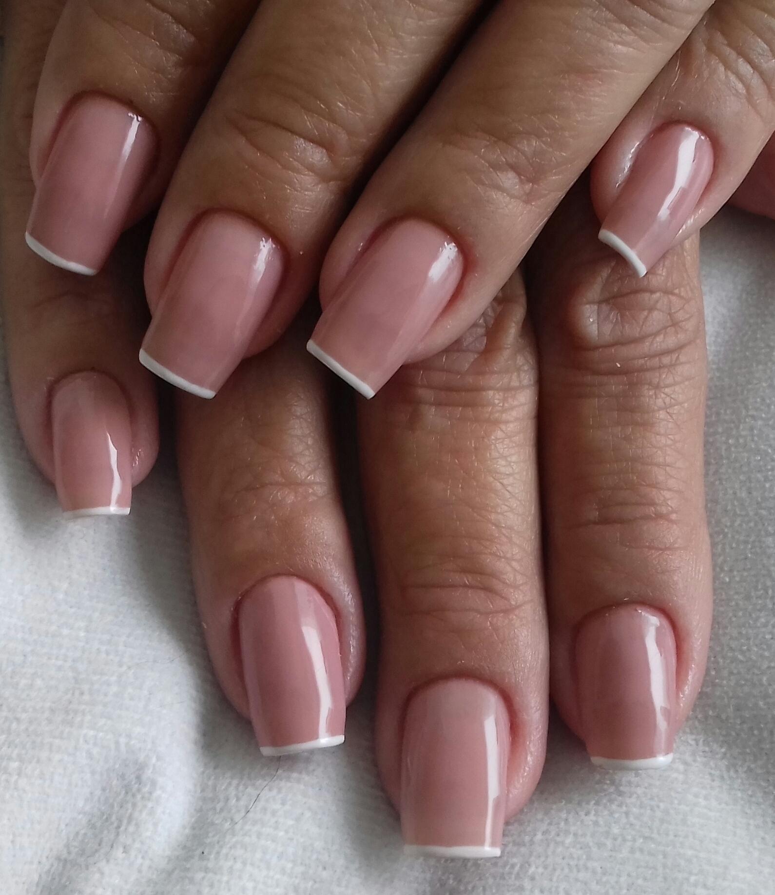 Delicada😍 unha manicure e pedicure