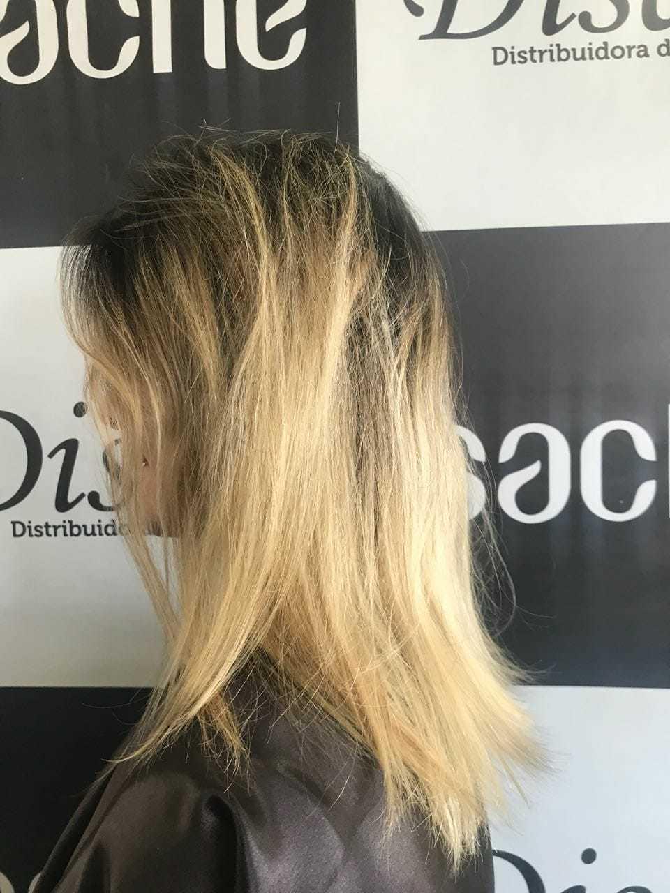 Antes cabelo auxiliar cabeleireiro(a) cabeleireiro(a) auxiliar cabeleireiro(a)