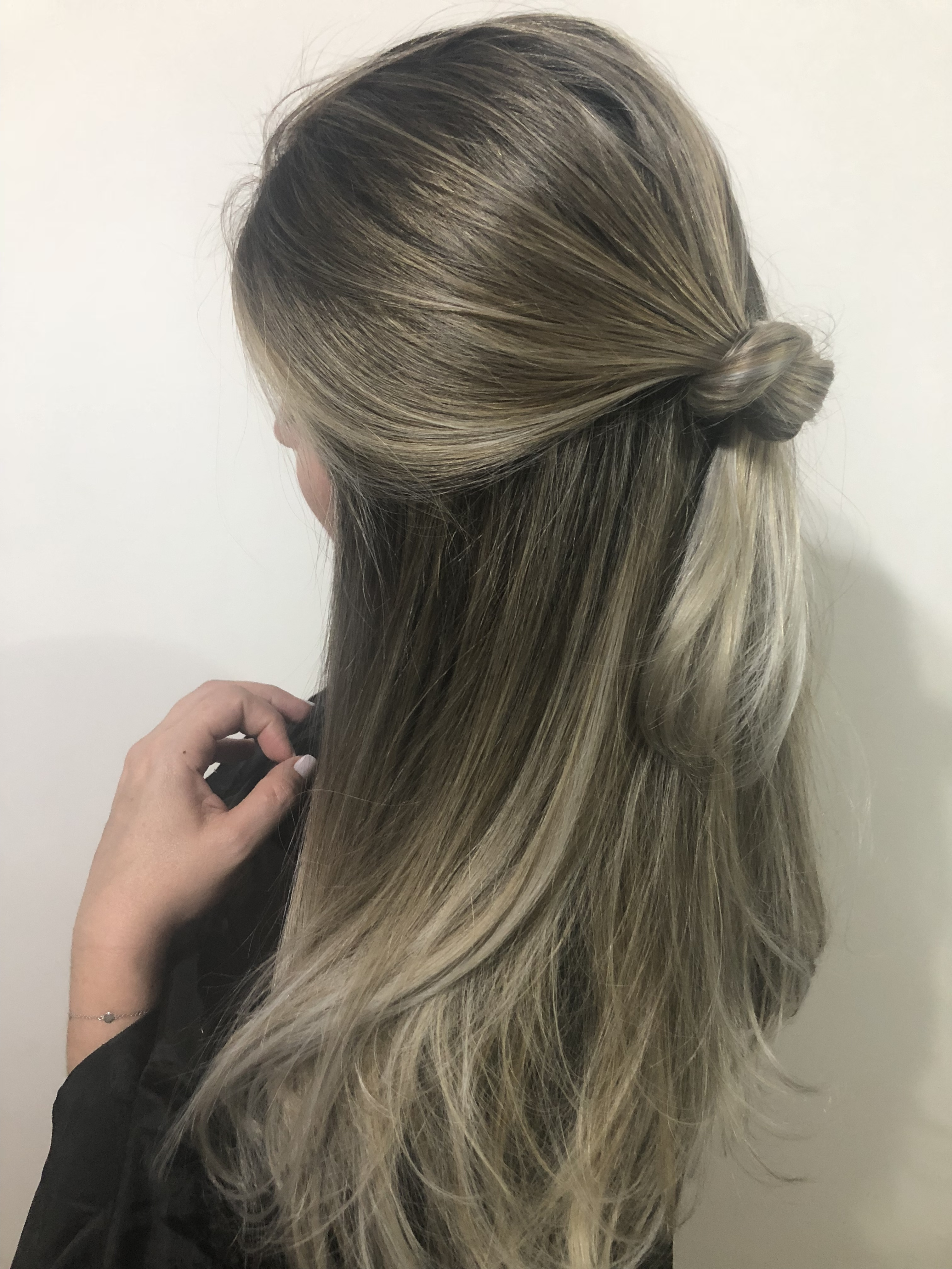 Loiro perolado  cabelo cabeleireiro(a) maquiador(a)