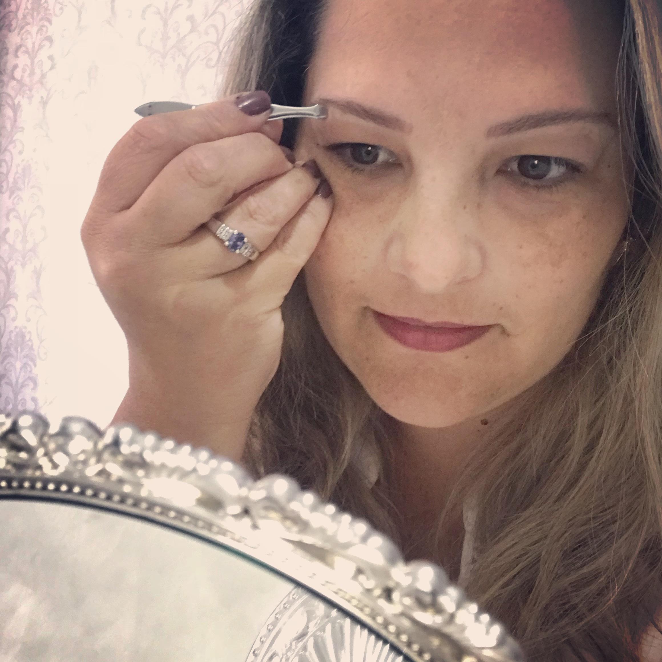 Entre uma cliente e outra a gente se cuida rsrs #simonerodriguesdepil #eumecuido estética designer de sobrancelhas esteticista depilador(a) micropigmentador(a)