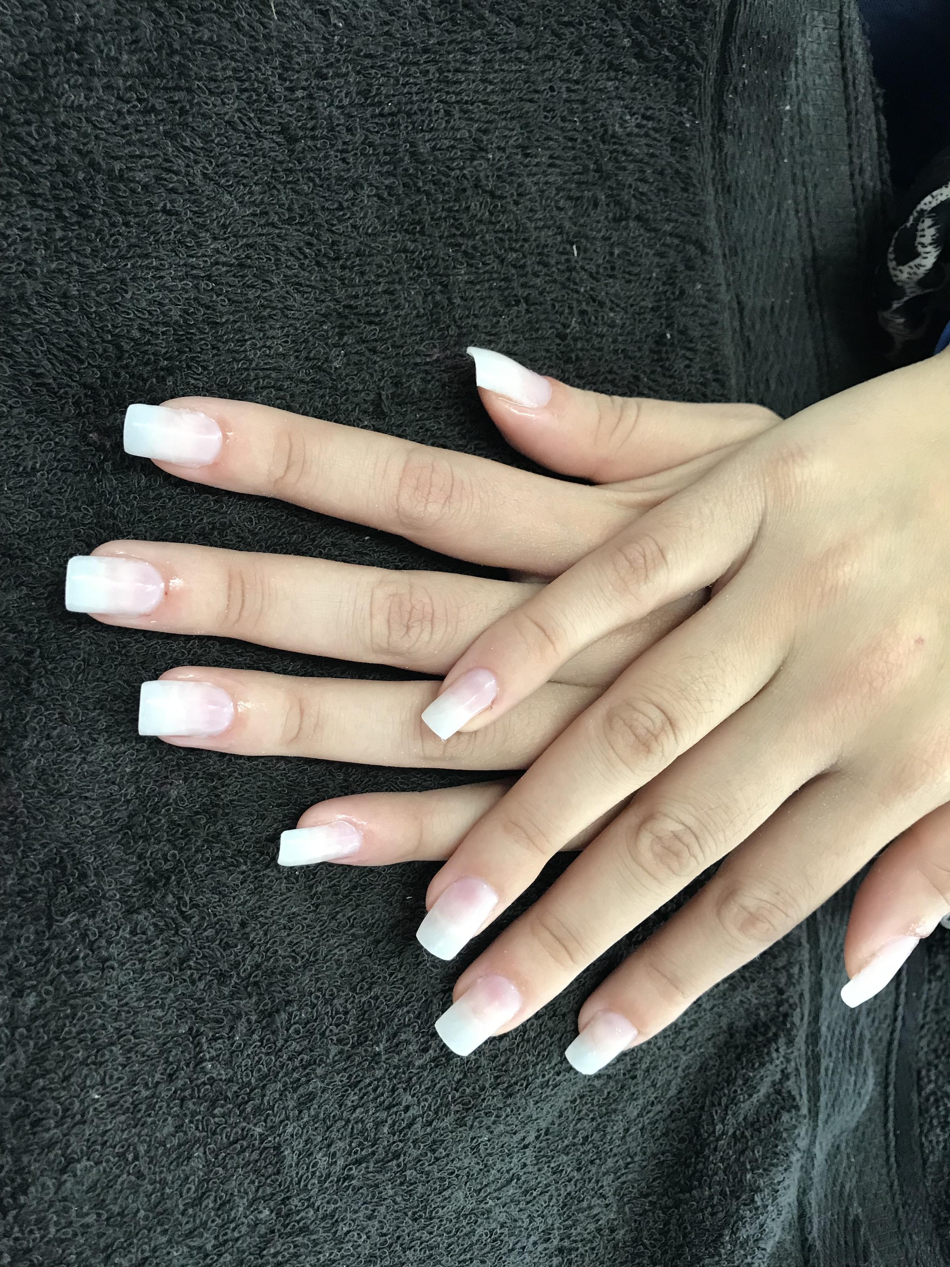 Unha em gel unha recepcionista manicure e pedicure designer de sobrancelhas