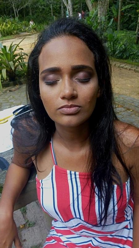 Para ensaio fotográfico. maquiagem maquiador(a) designer de sobrancelhas cabeleireiro(a) escovista depilador(a)
