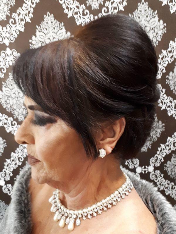 maquiador(a) designer de sobrancelhas cabeleireiro(a) cabeleireiro(a)