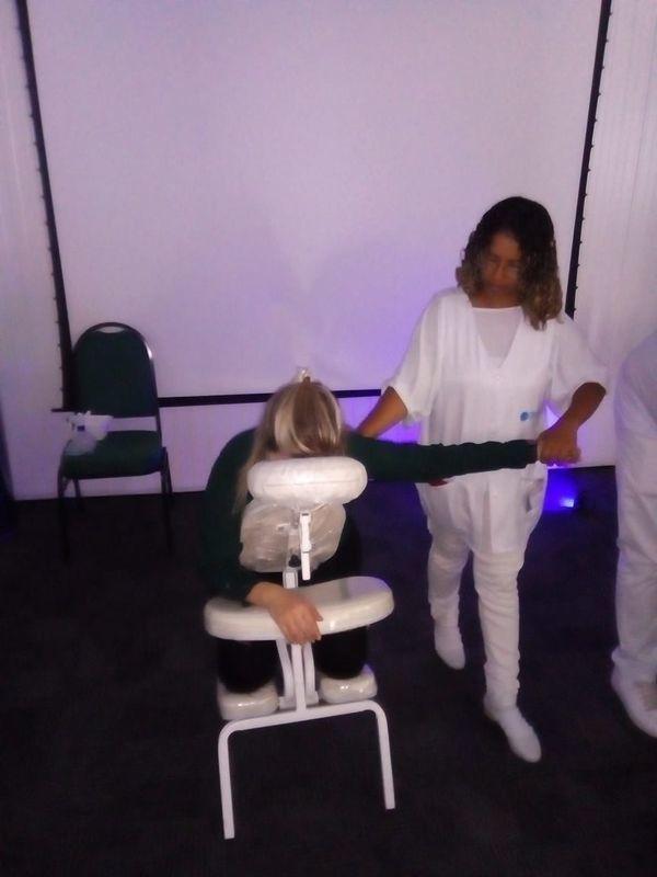 Quick Massagem outros massoterapeuta designer de sobrancelhas cabeleireiro(a) depilador(a) esteticista outros