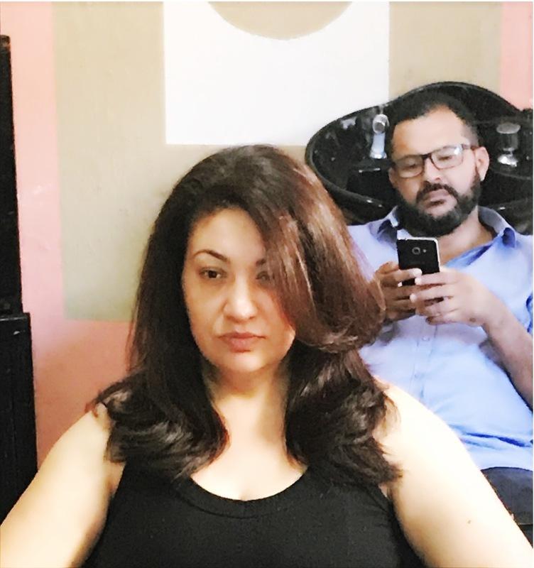 Escova e corte . cabelo auxiliar cabeleireiro(a) cabeleireiro(a)