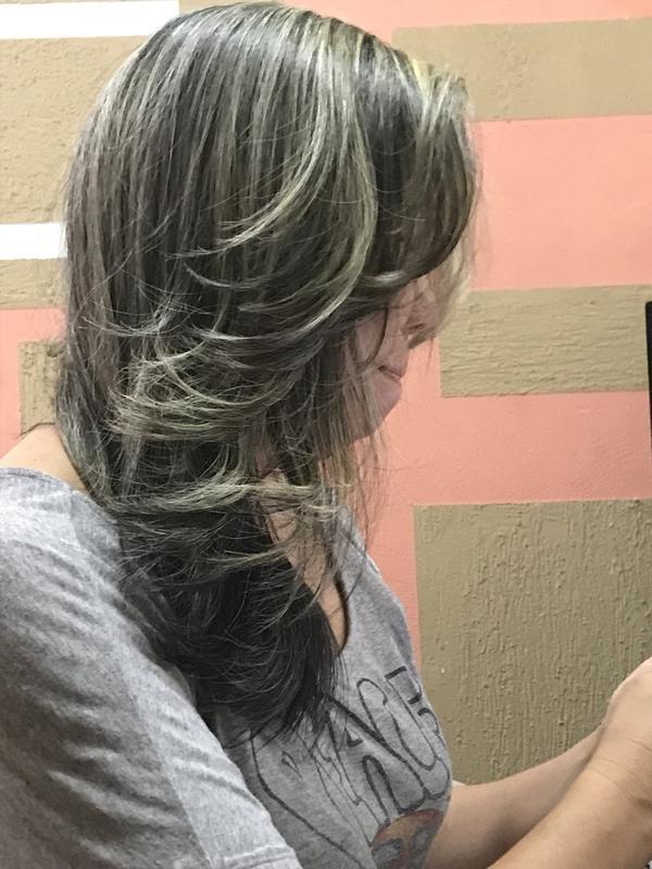 Luzes + corte e finalização com escova . Mais um trabalho  cabelo auxiliar cabeleireiro(a) cabeleireiro(a)
